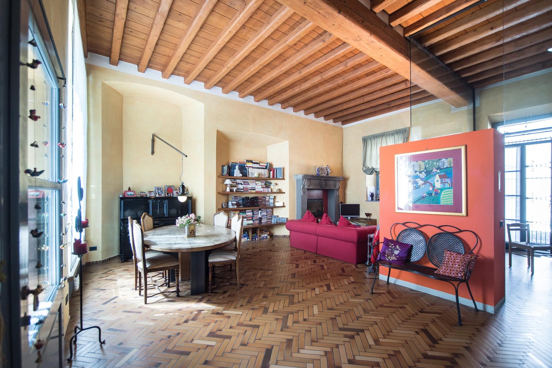 Appartamento in Vendita a Fino Mornasco: 5 locali, 170 mq