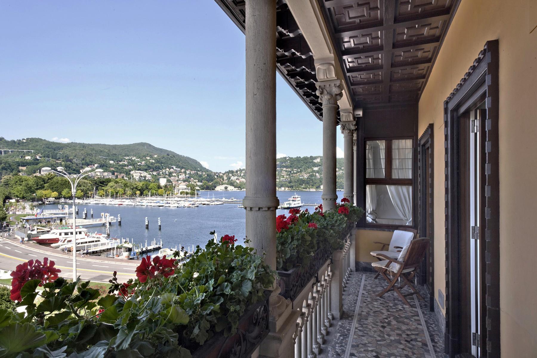 Appartamento in Vendita a Como: 5 locali, 220 mq
