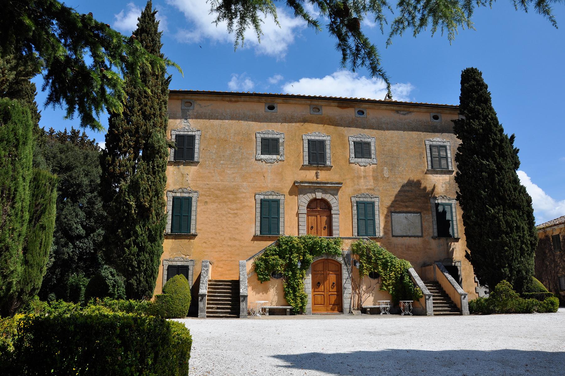 Villa in Vendita a Volterra: 5 locali, 2061 mq