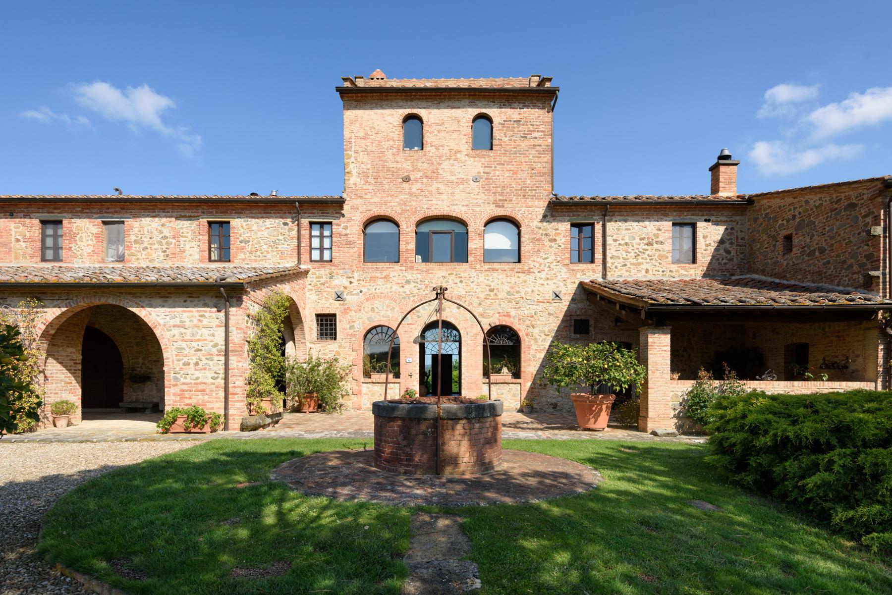 Villa in Vendita a Siena:  5 locali, 1300 mq  - Foto 1