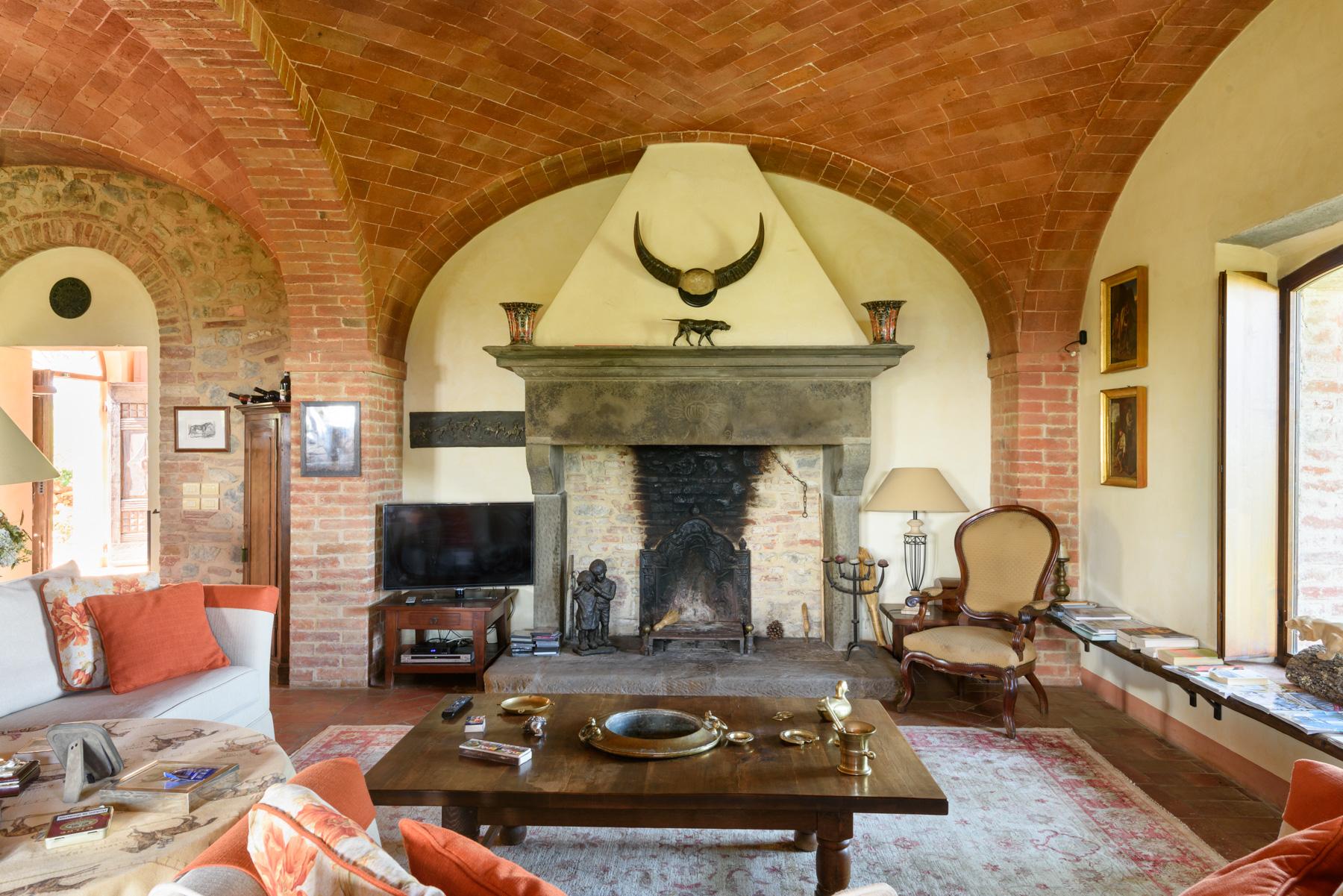 Villa in Vendita a Siena: 5 locali, 1300 mq - Foto 8