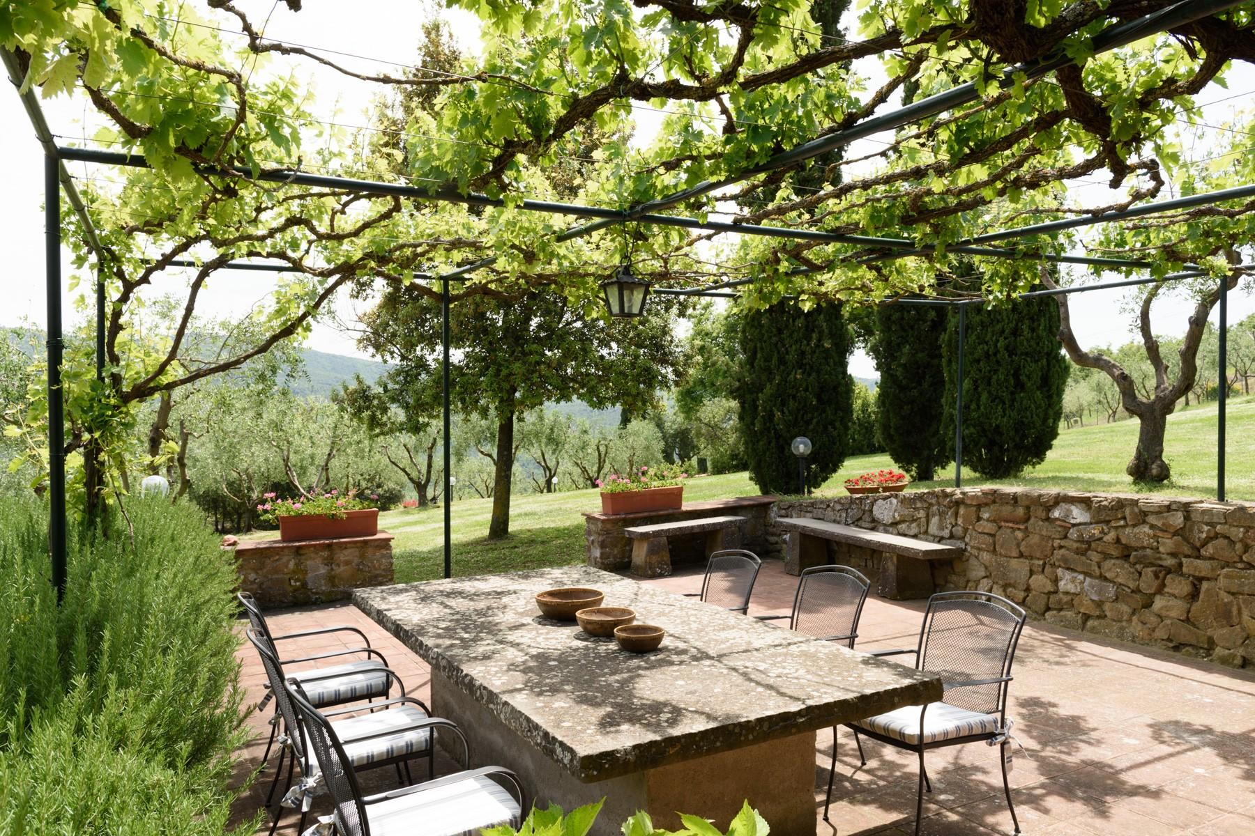 Villa in Vendita a Pergine Valdarno: 5 locali, 600 mq
