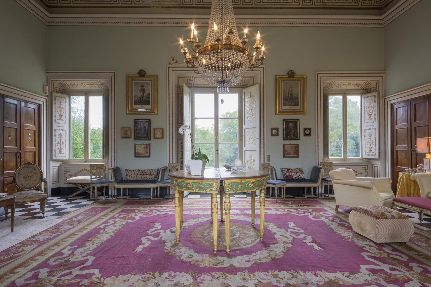 Villa in Vendita a Lucca: 5 locali, 2451 mq - Foto 3