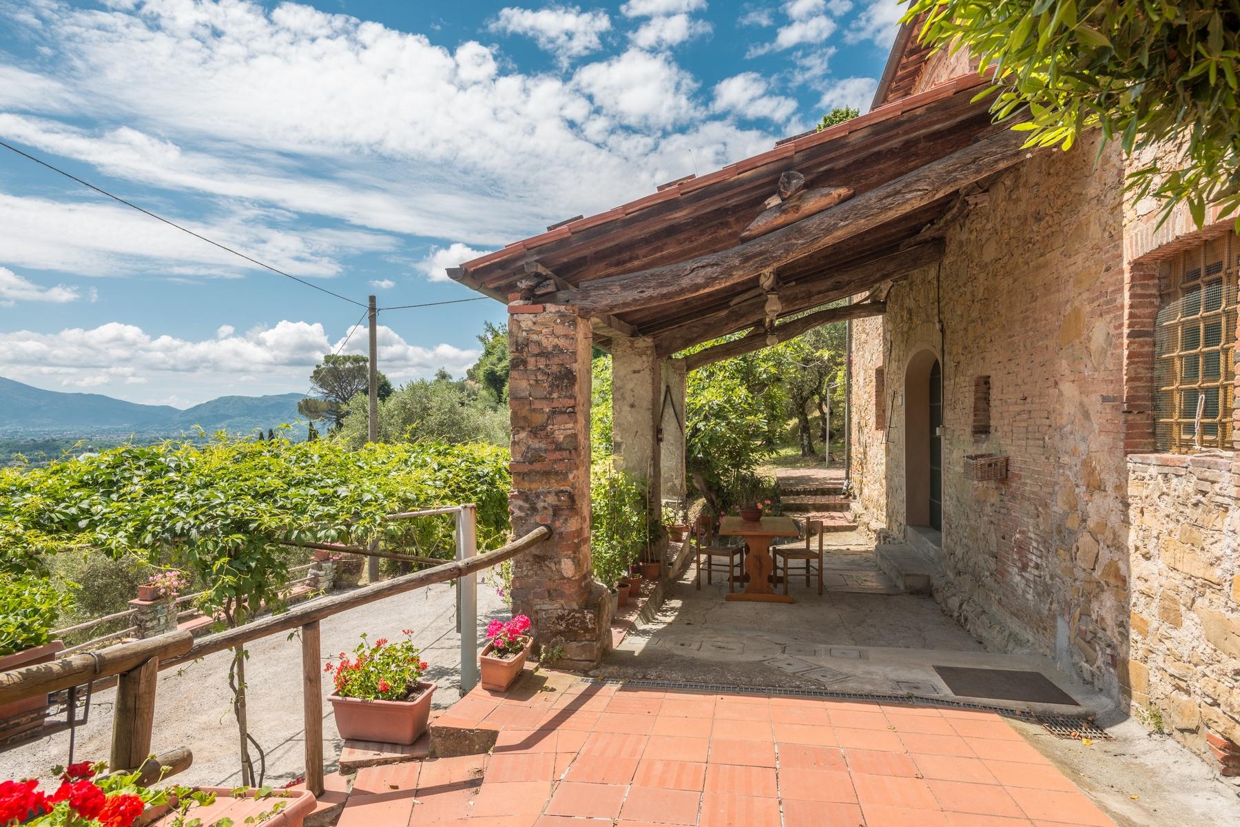 Villa in Vendita a Lucca: 5 locali, 550 mq - Foto 2