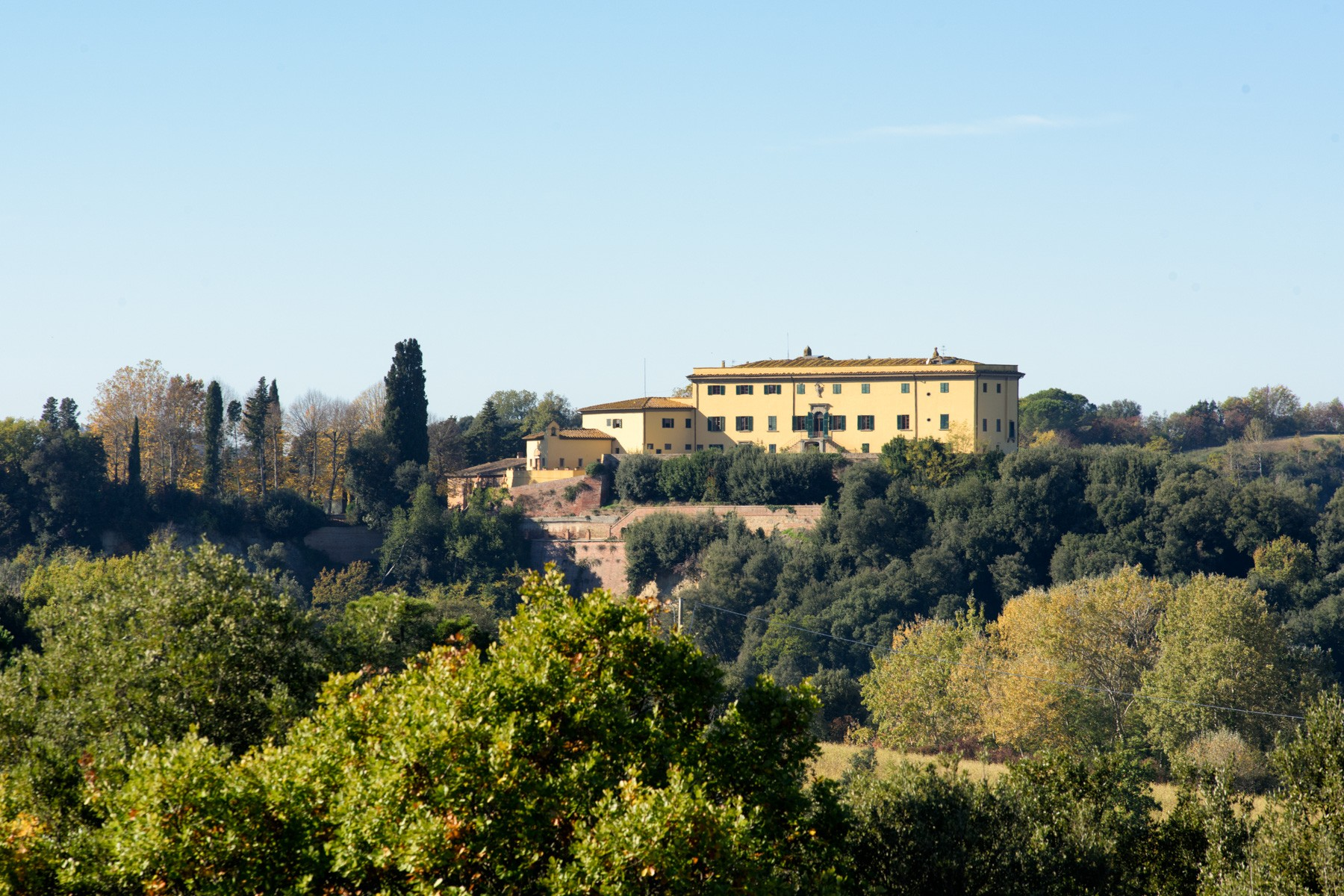 Villa in Vendita a Montaione: 5 locali, 15655 mq