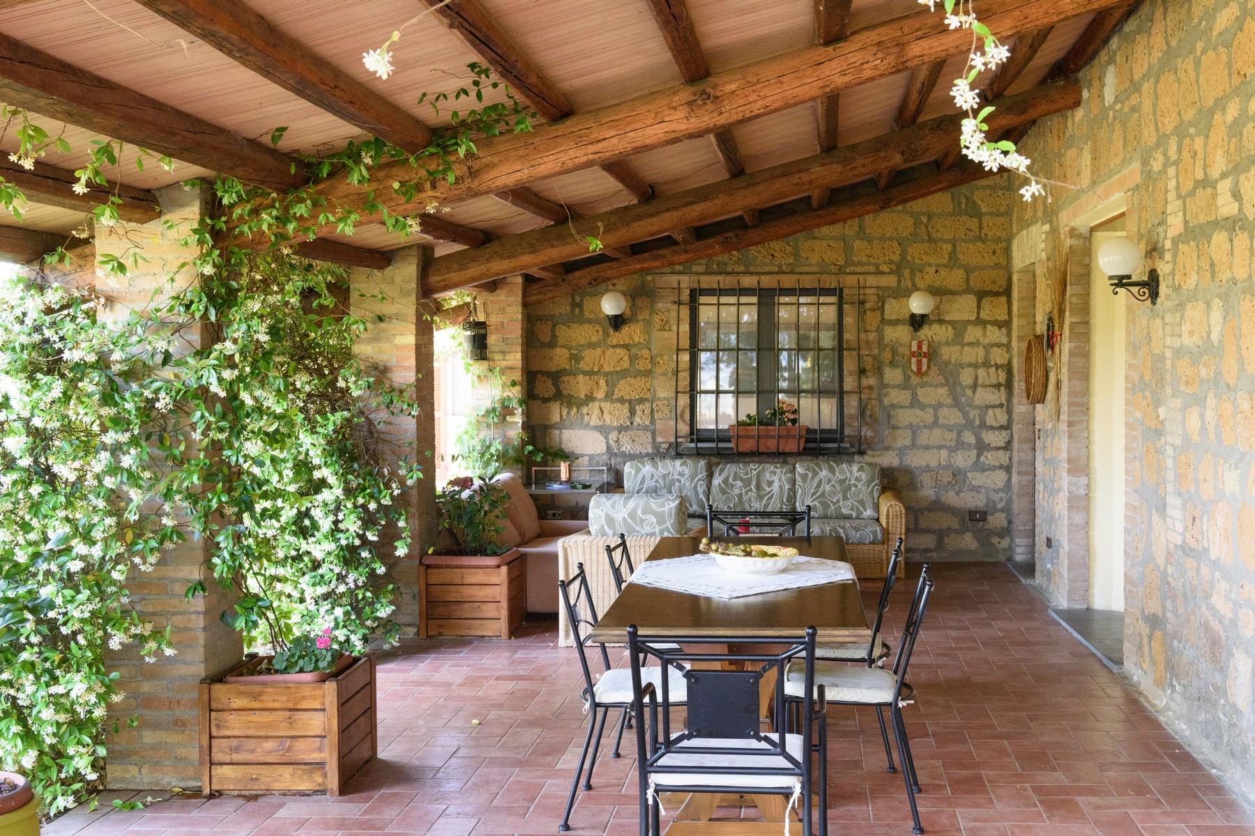 Casa indipendente di lusso in vendita a castel viscardo for Vendita case di lusso