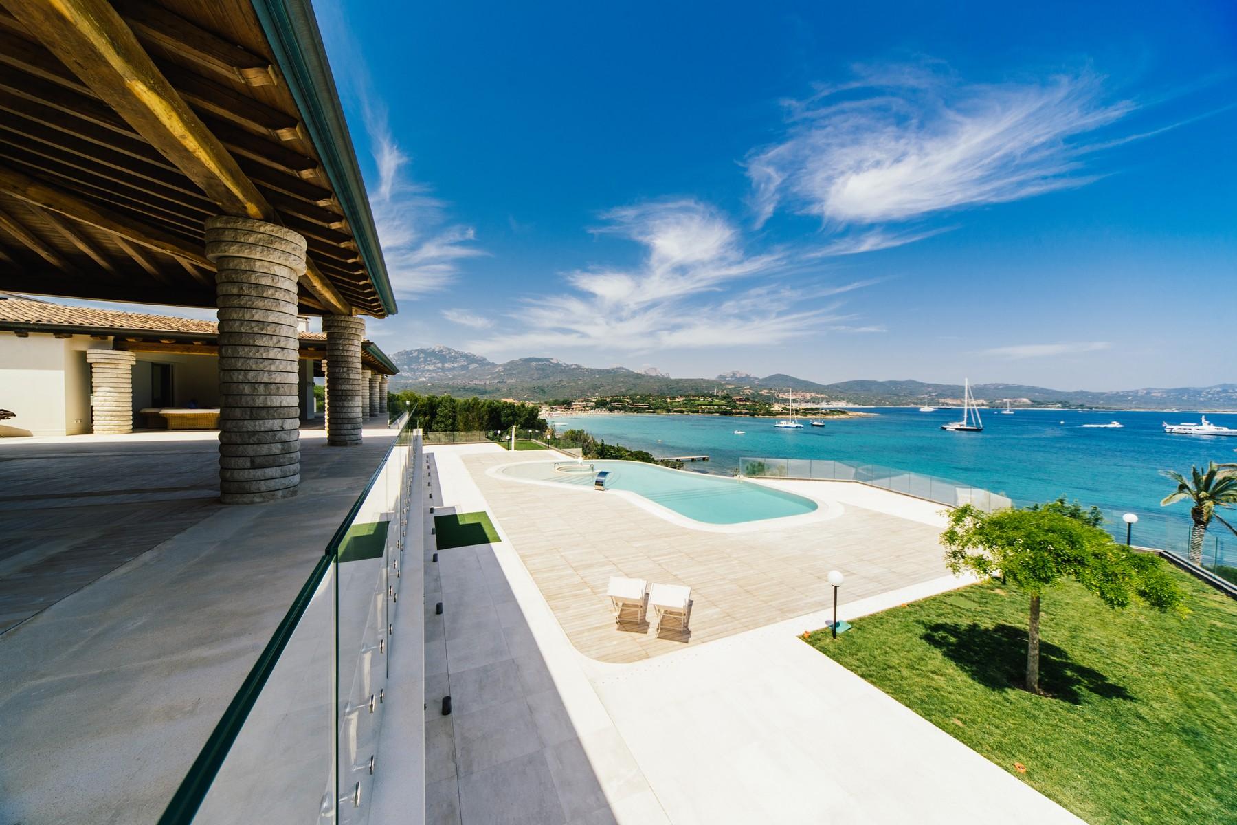 Villa in Vendita a Olbia: 5 locali, 905 mq