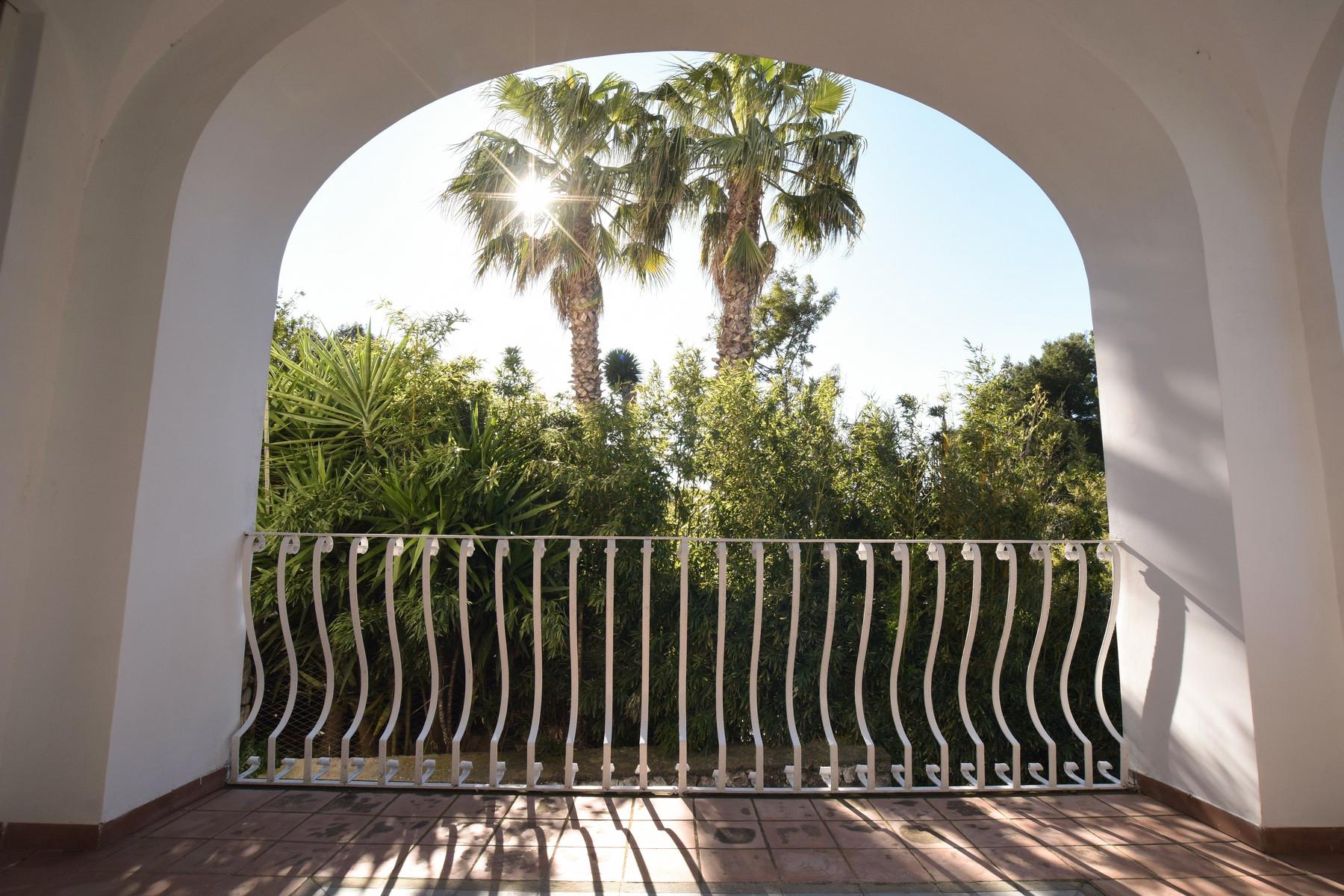 Casa indipendente in Vendita a Capri via matermania