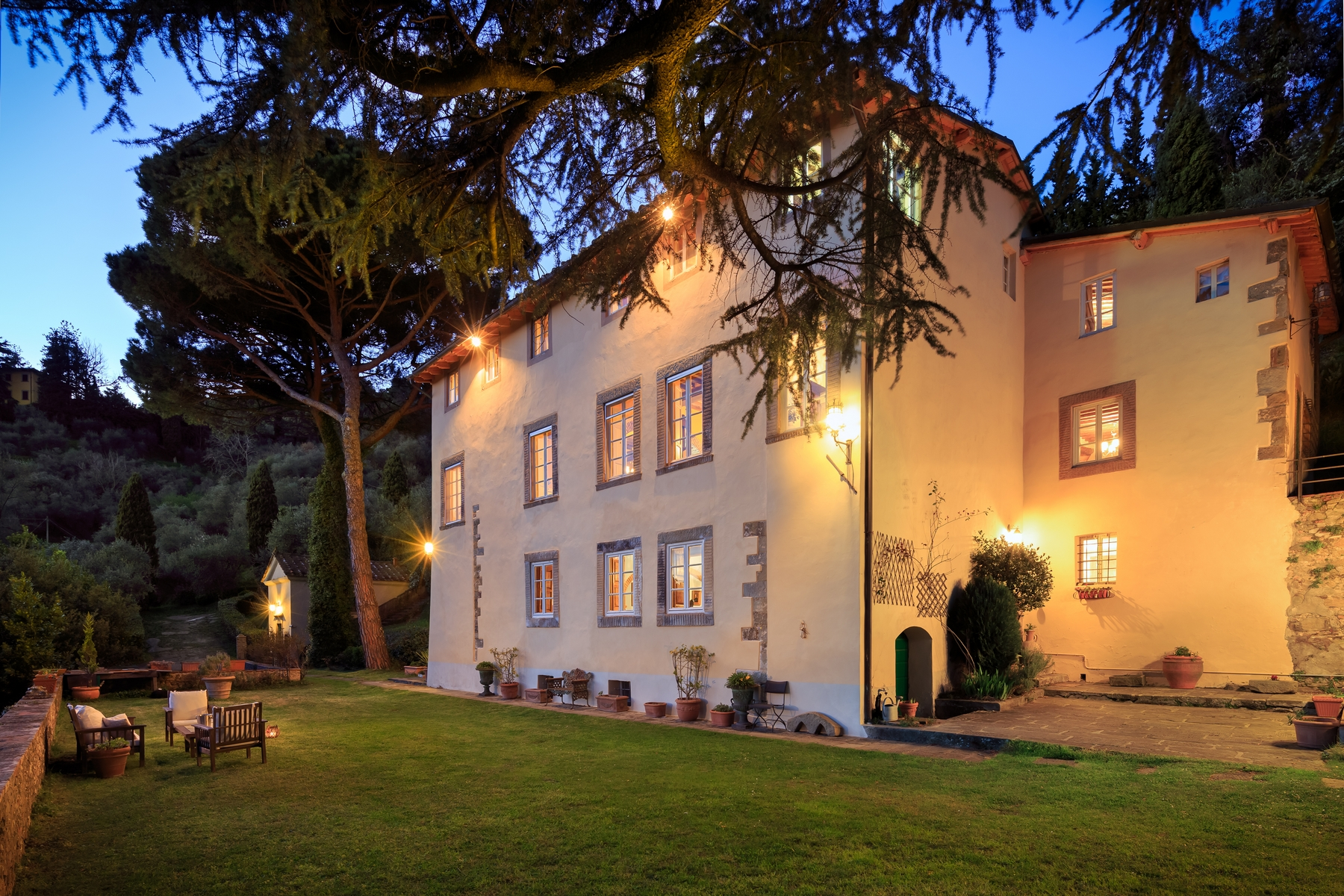 Villa in Vendita a Lucca: 5 locali, 550 mq - Foto 1