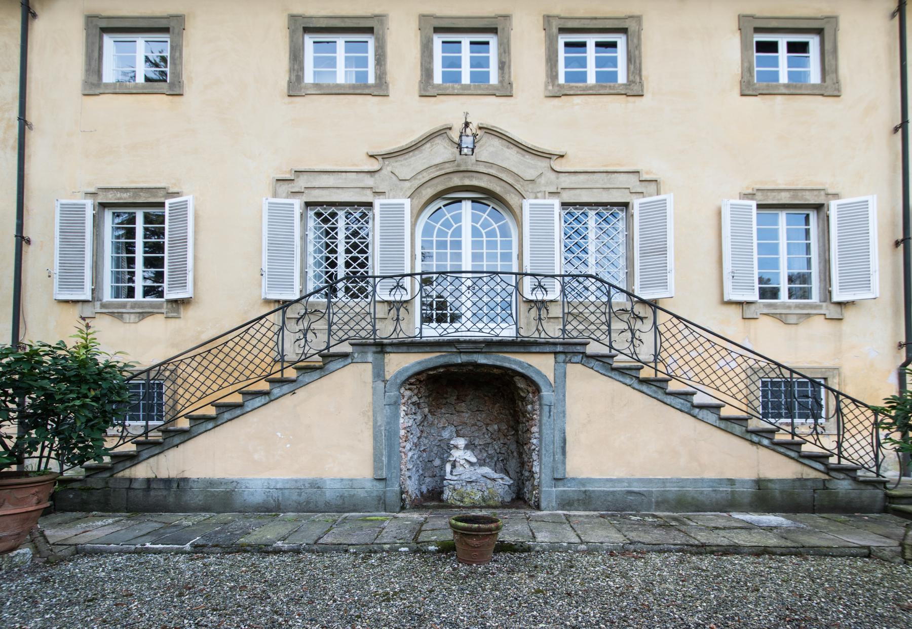 Villa in Vendita a Lucca via della polla