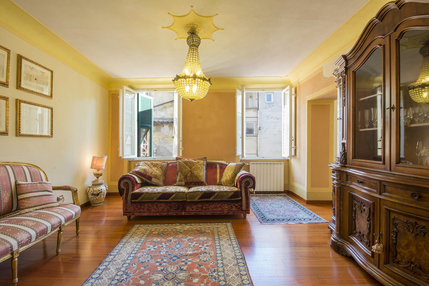 Appartamento in Vendita a Lucca Centro: 5 locali, 115 mq
