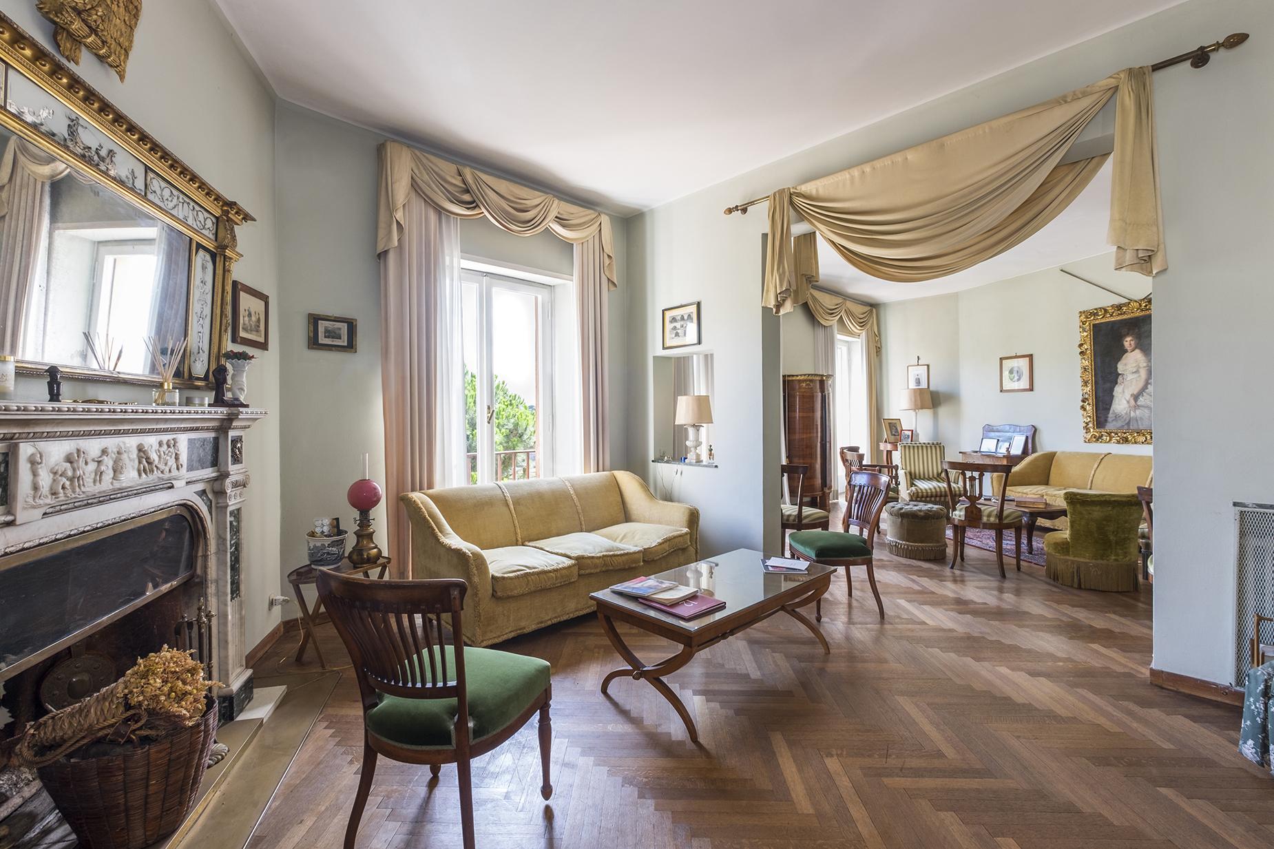 Appartamento di lusso in vendita a roma via del monte for Appartamento ufficio roma
