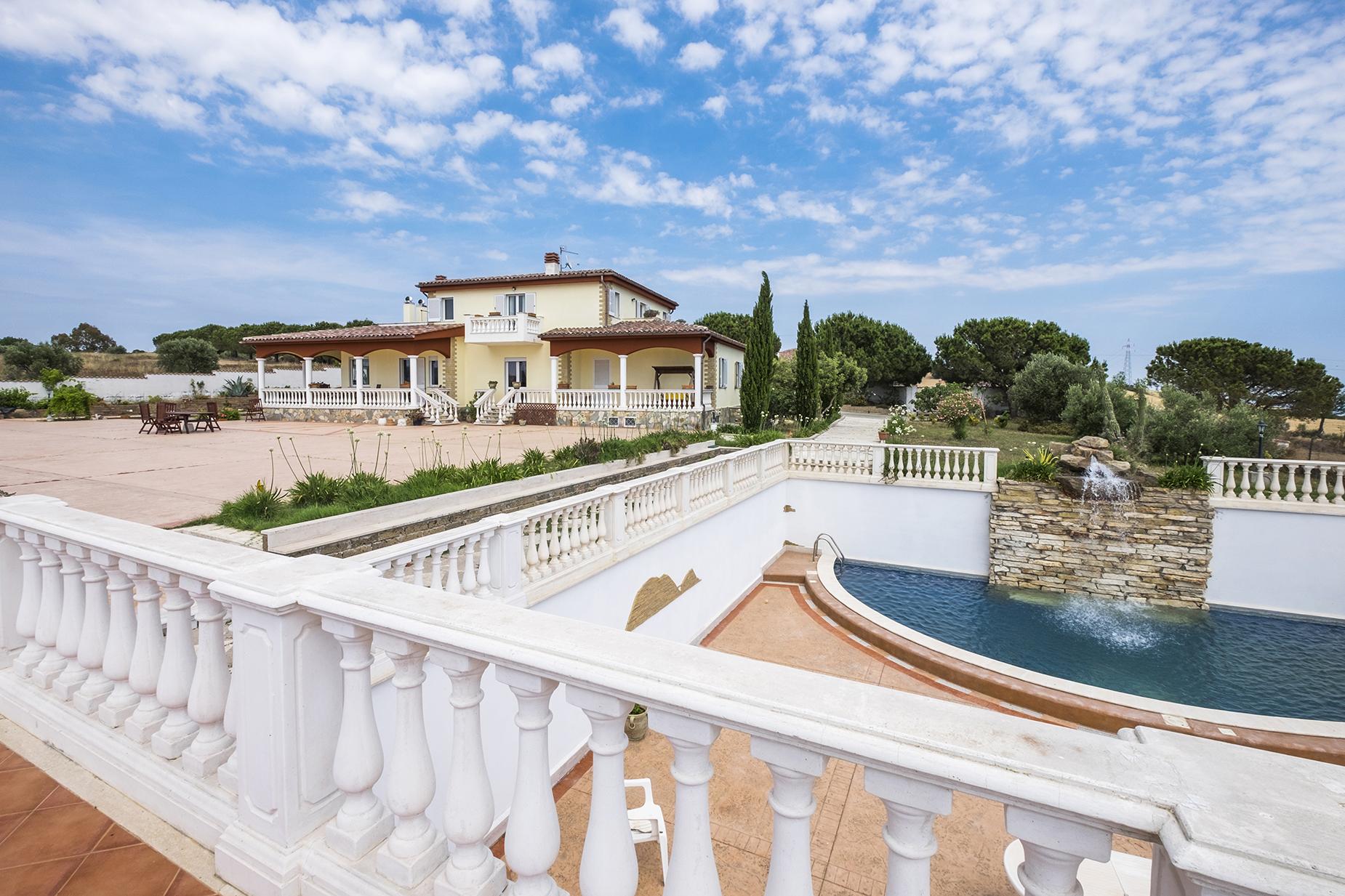 Villa in Vendita a Santa Marinella: 5 locali, 400 mq
