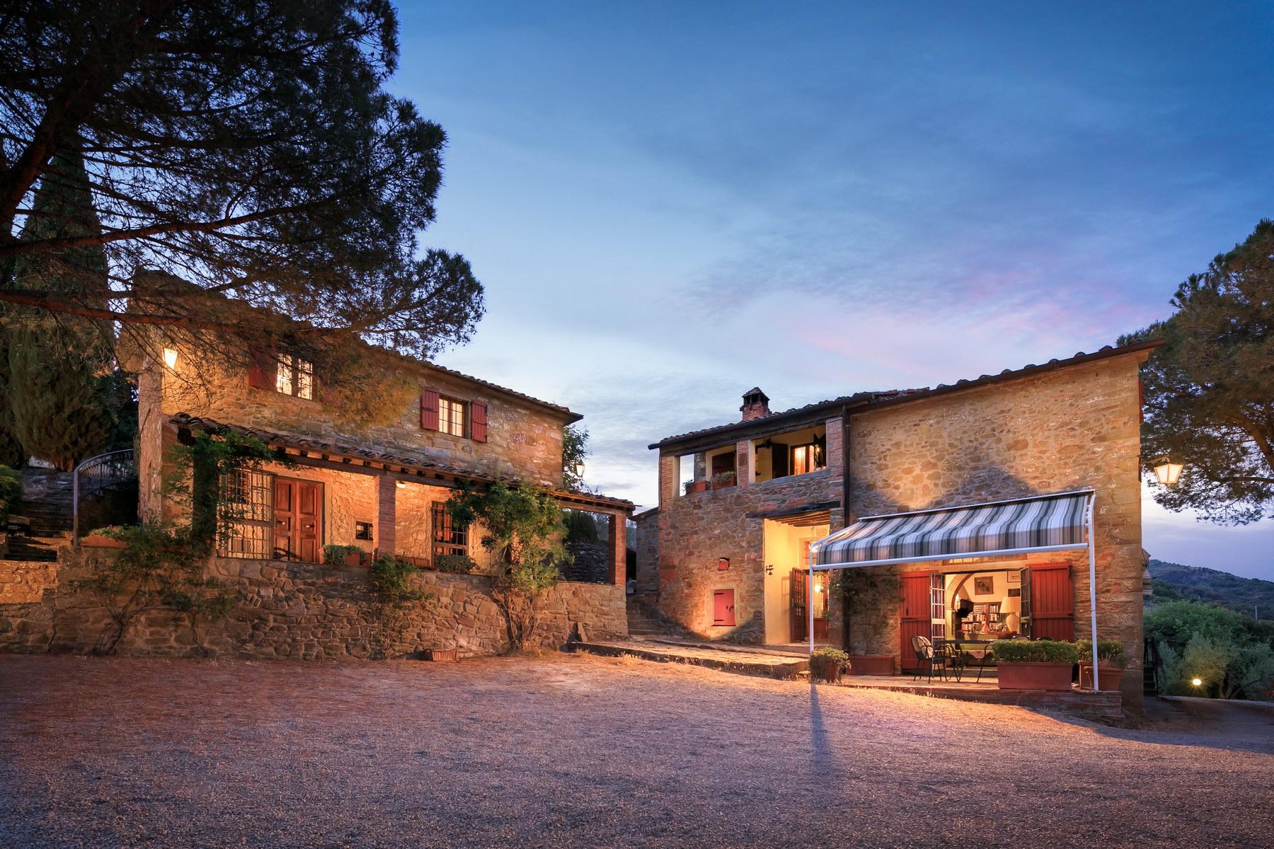 Villa in Vendita a Castiglion Fiorentino: 5 locali, 350 mq - Foto 2