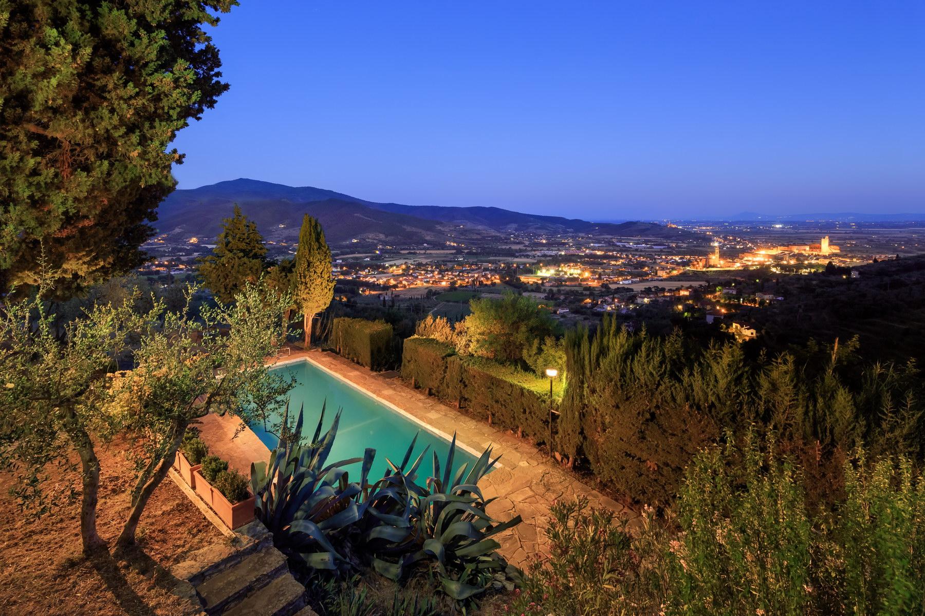 Villa in Vendita a Castiglion Fiorentino: 5 locali, 350 mq