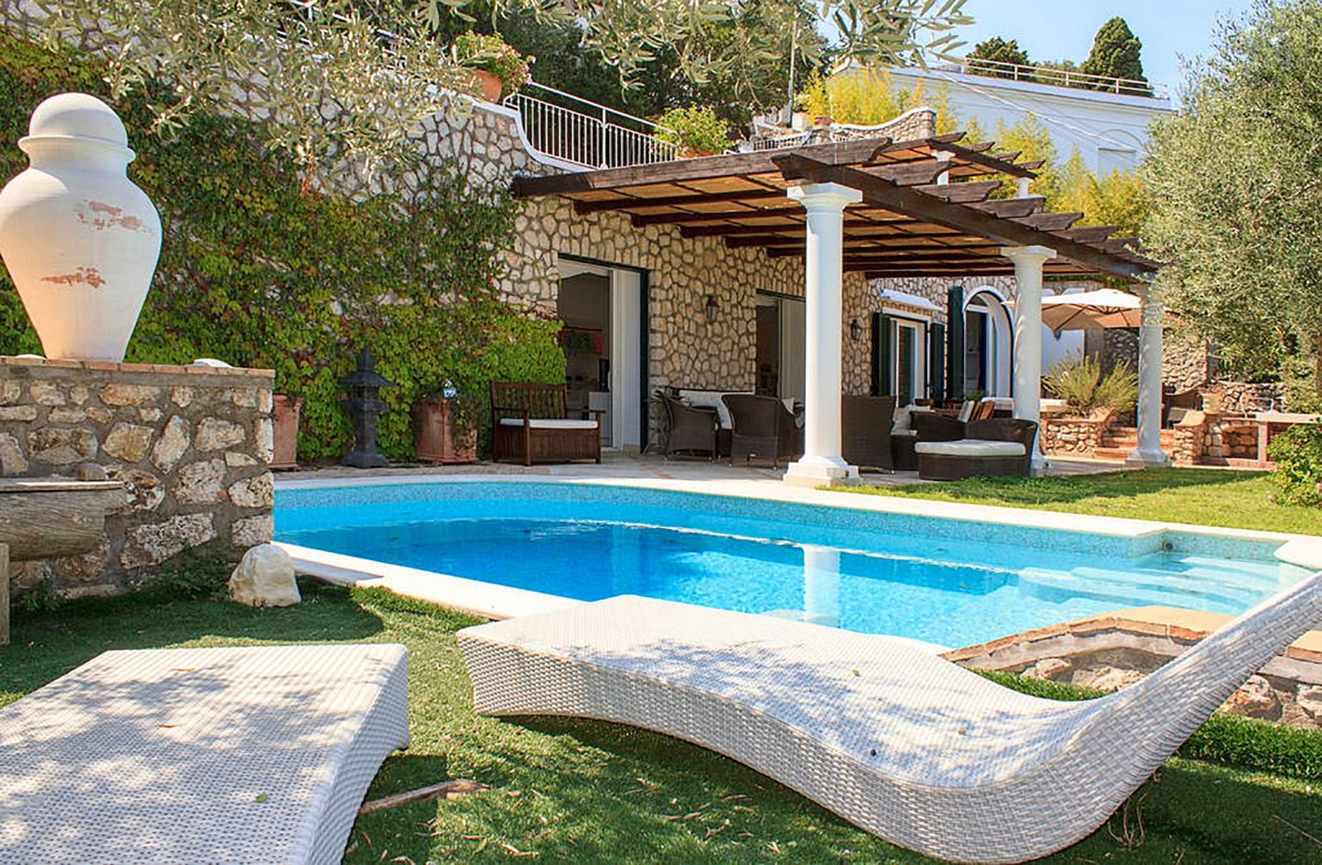 Villa in Vendita a Capri: 5 locali, 150 mq - Foto 2