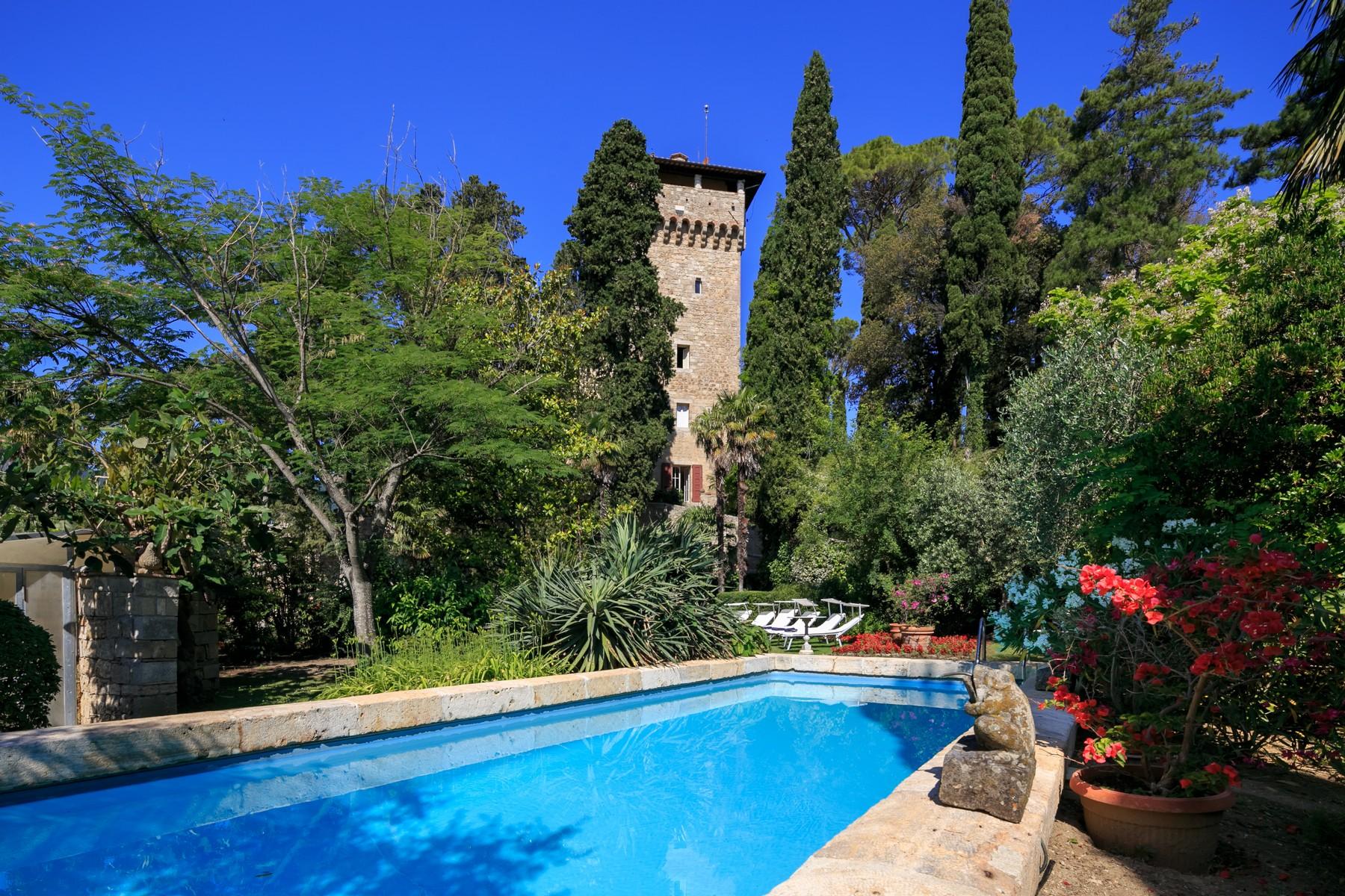 Villa in Vendita a Cetona: 5 locali, 1200 mq - Foto 2