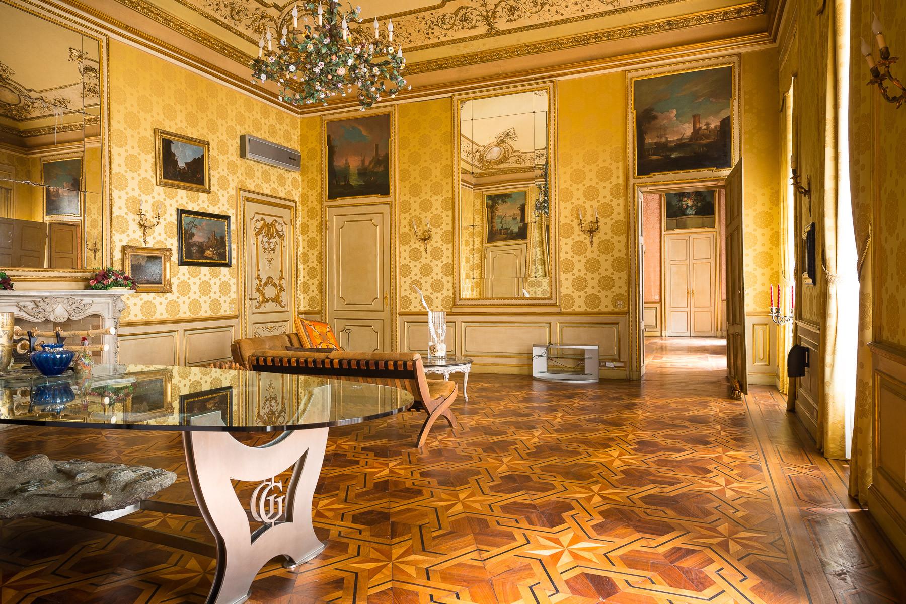 Appartamento in Vendita a Torino Centro: 5 locali, 530 mq
