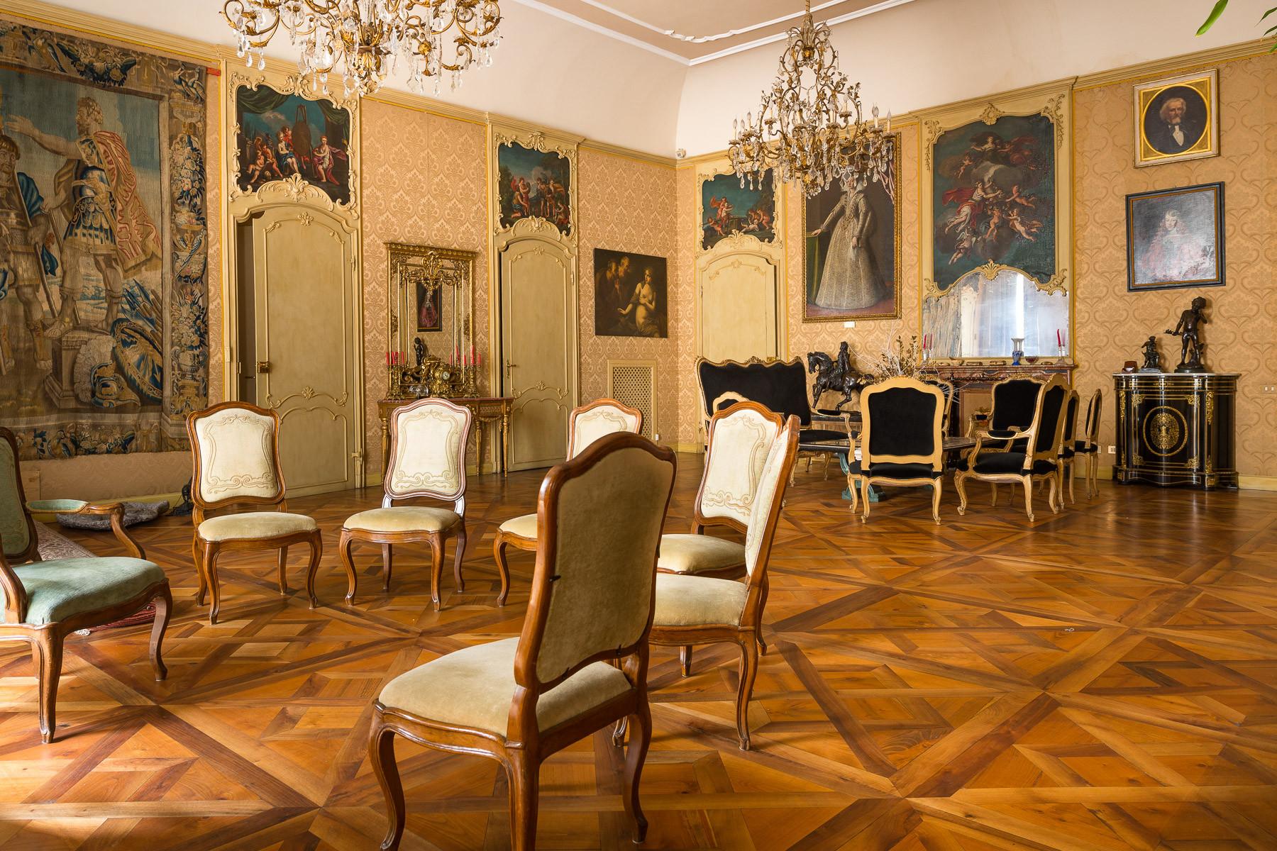 Appartamento in Vendita a Torino: 5 locali, 530 mq - Foto 3