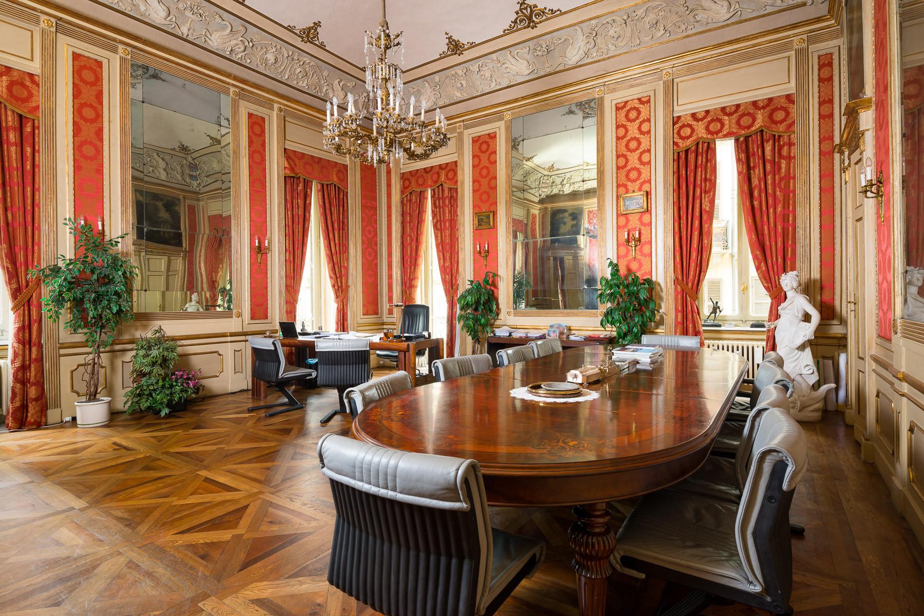 Appartamento in Vendita a Torino Centro: 5 locali, 320 mq