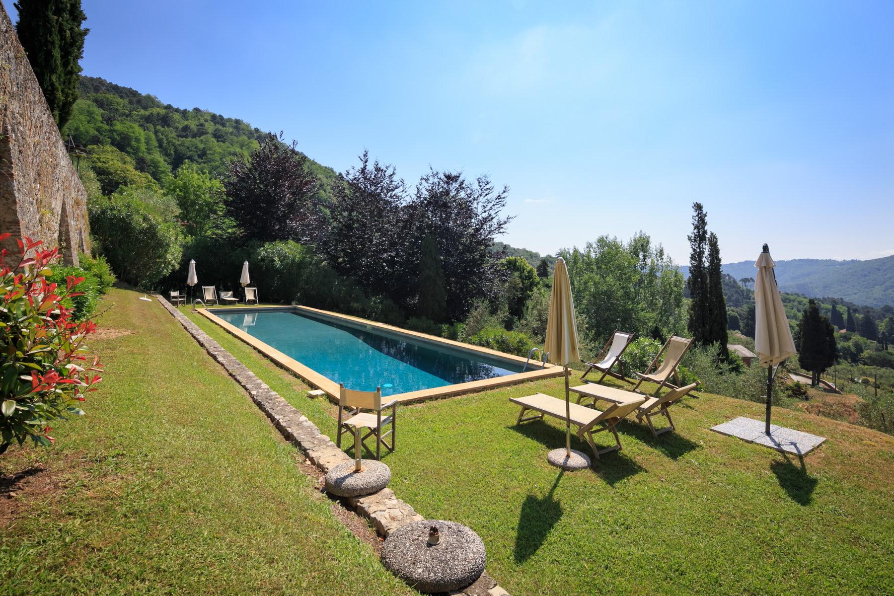 Villa in Vendita a Lucca: 5 locali, 1500 mq - Foto 4