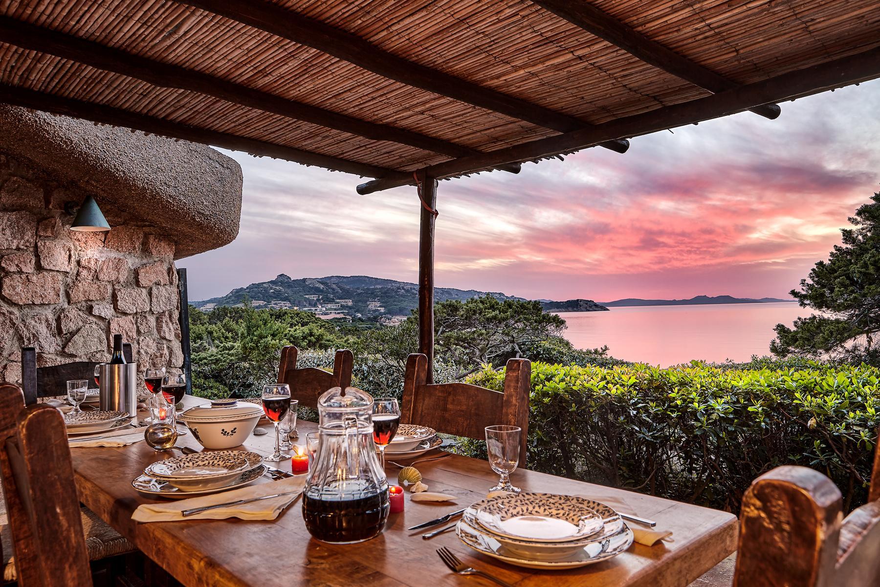 Villa in Vendita a Arzachena via cappuccini liscia renee