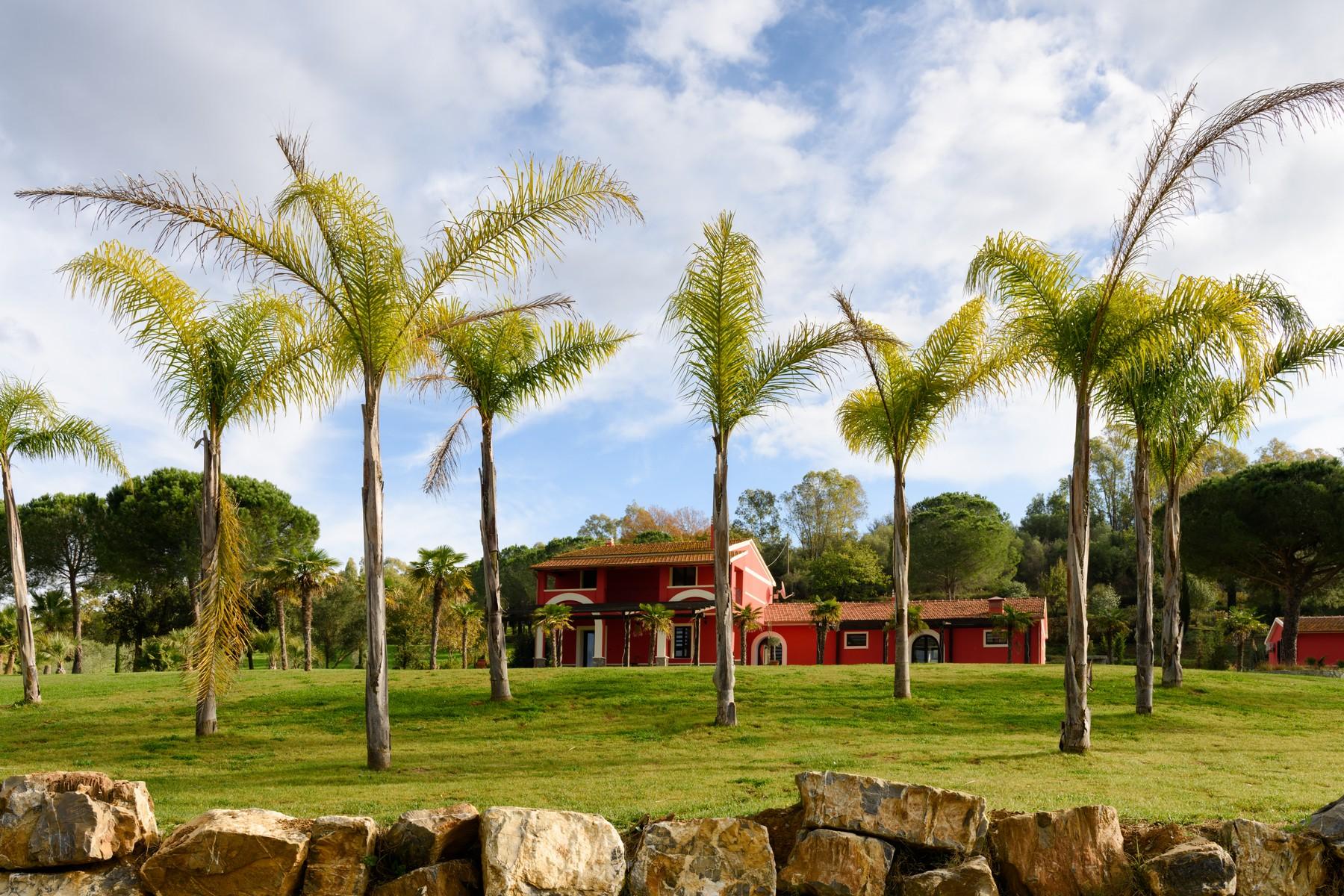 Villa in Vendita a Gavorrano: 5 locali, 520 mq
