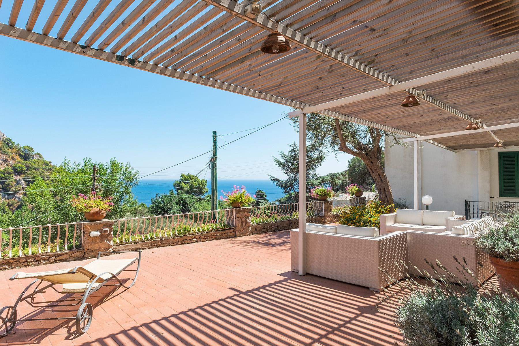 Villa in Vendita a Capri scala torina