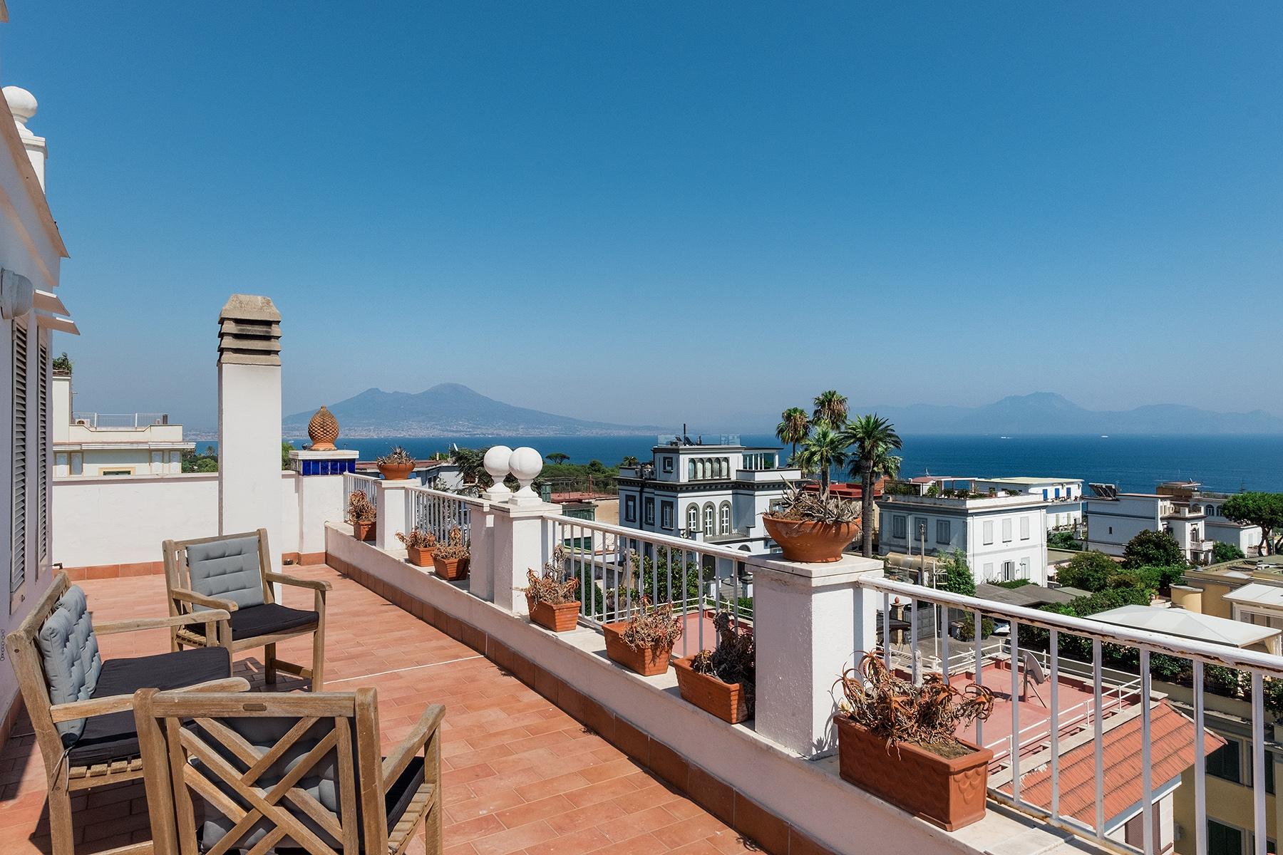 Villa in Vendita a Napoli: 5 locali, 410 mq - Foto 2