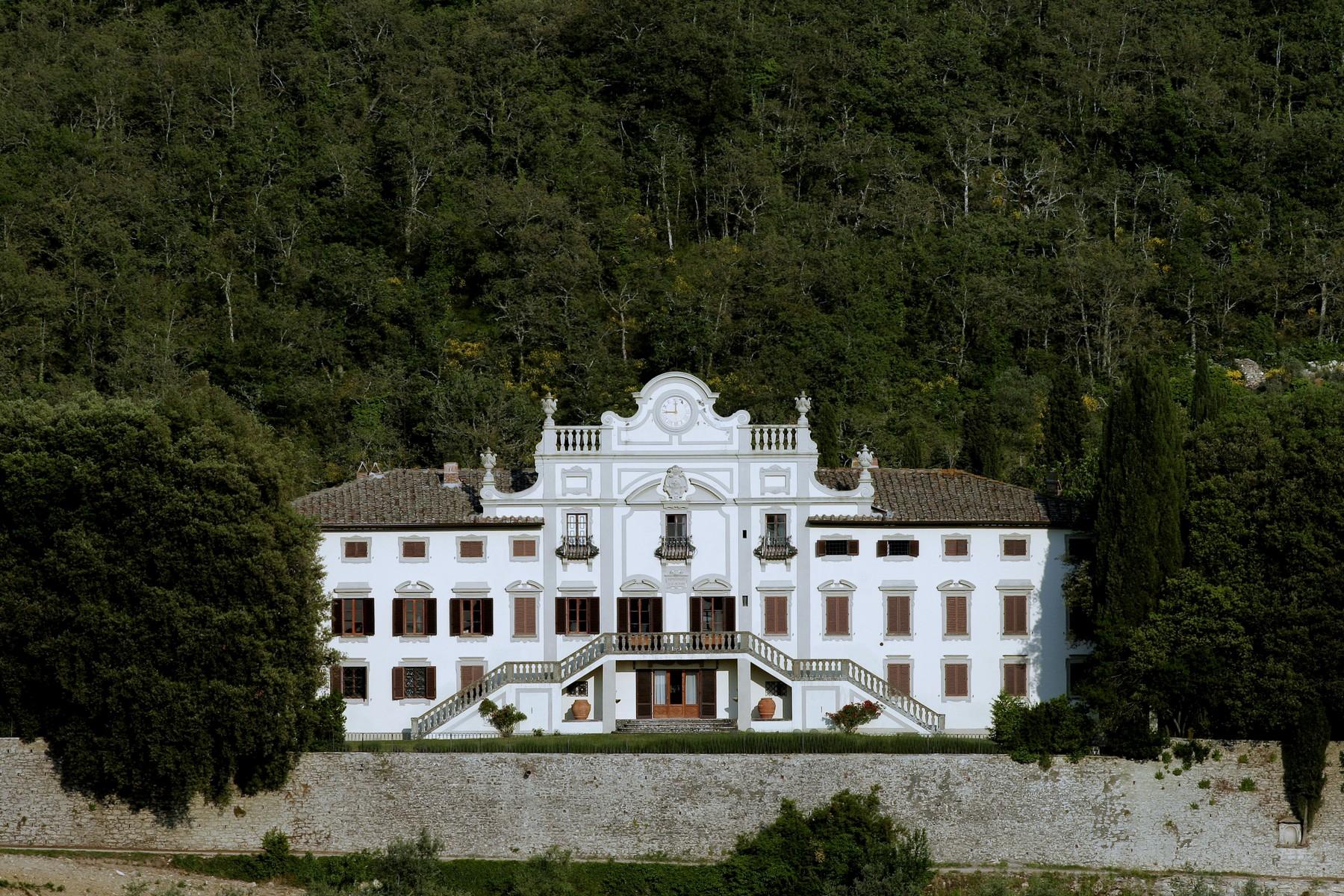 Villa in Vendita a Gaiole In Chianti: 5 locali, 4285 mq