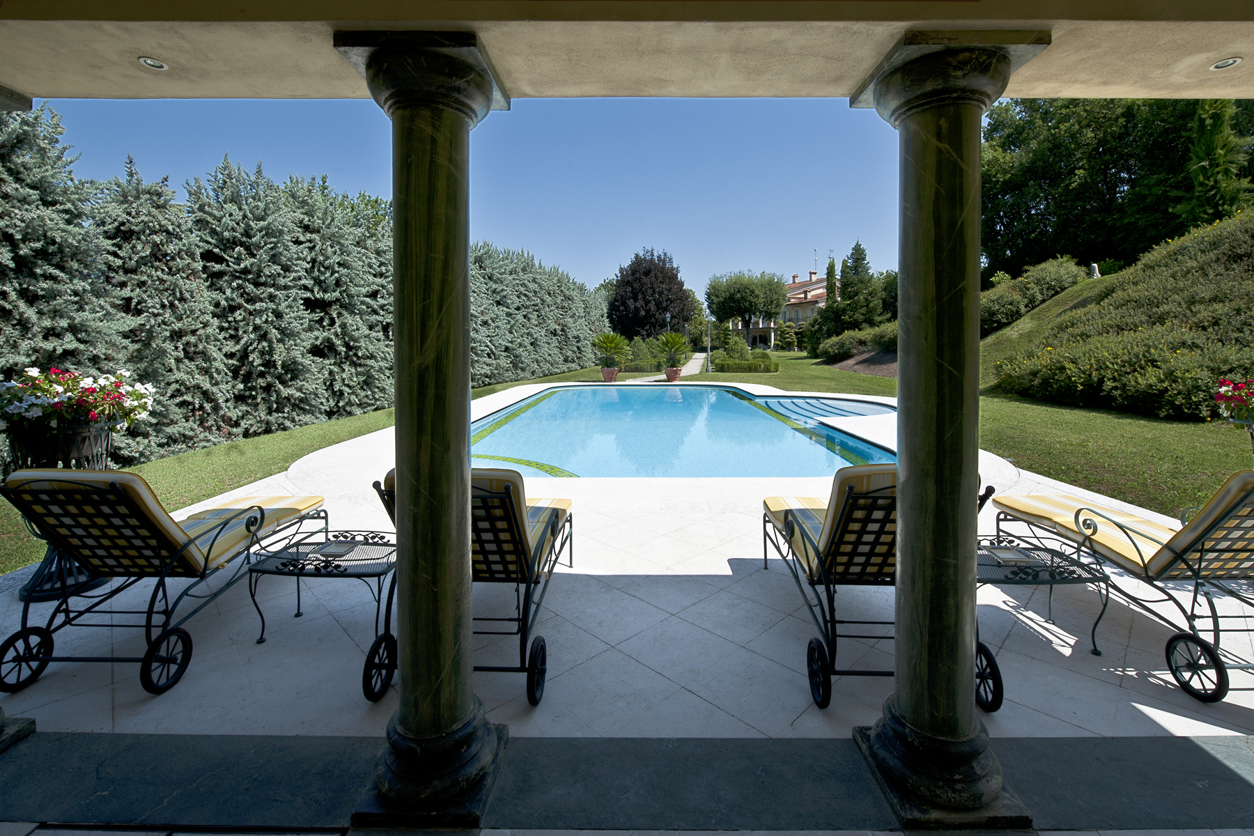 Villa in Vendita a Monzambano strada sale