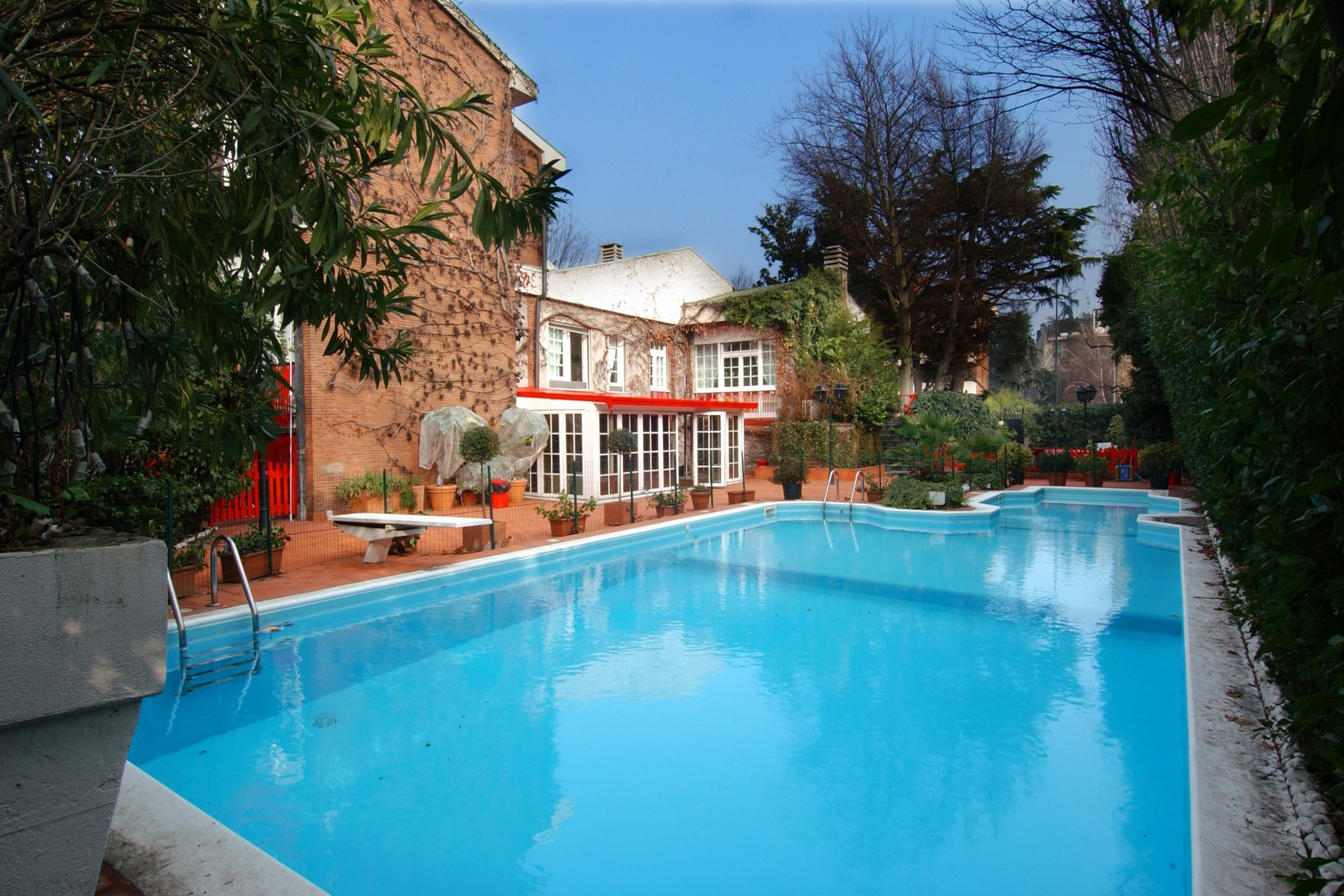 Villa in Vendita a Milano via palatino