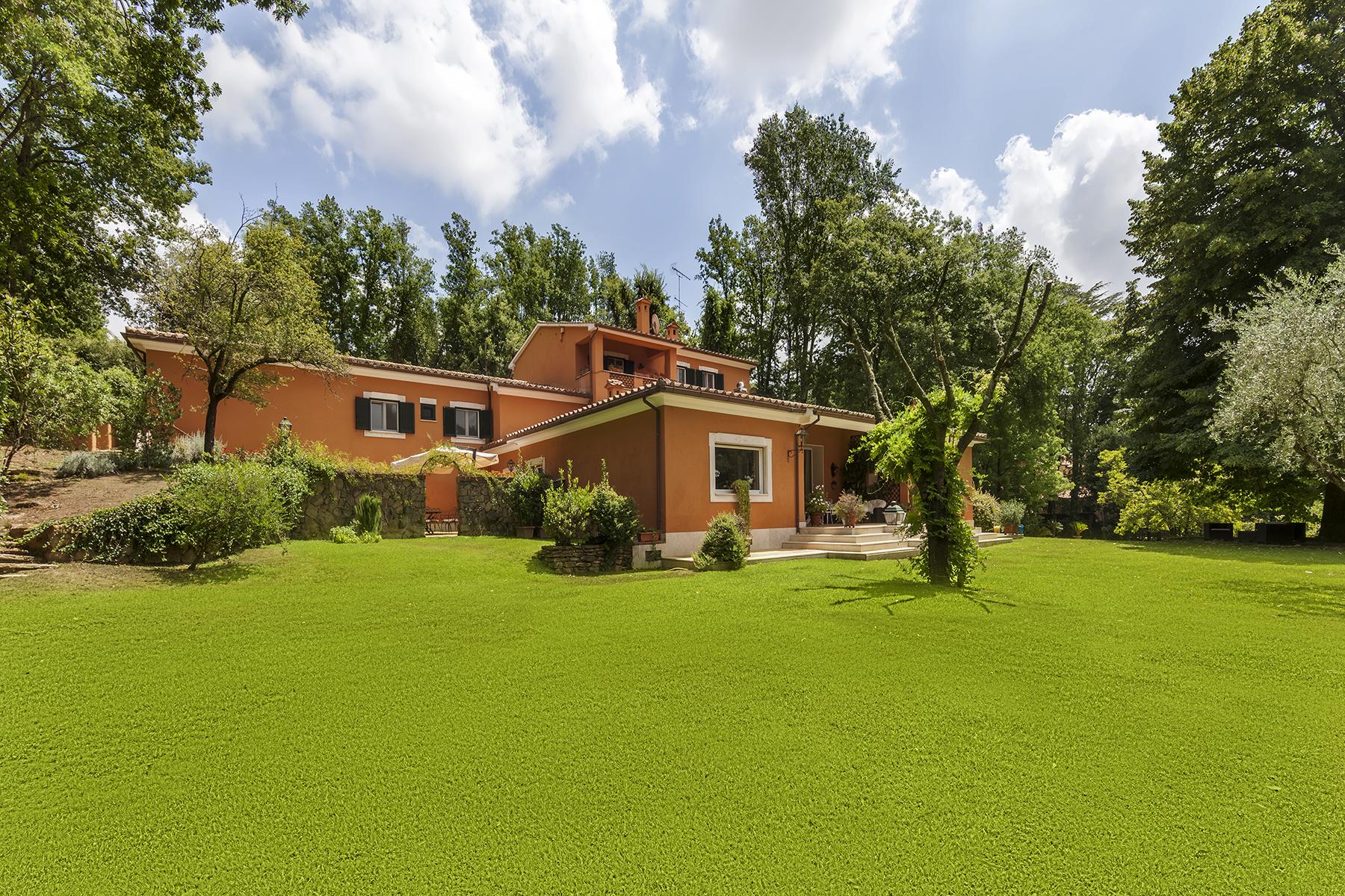 Villa in Vendita a Roma via cassia