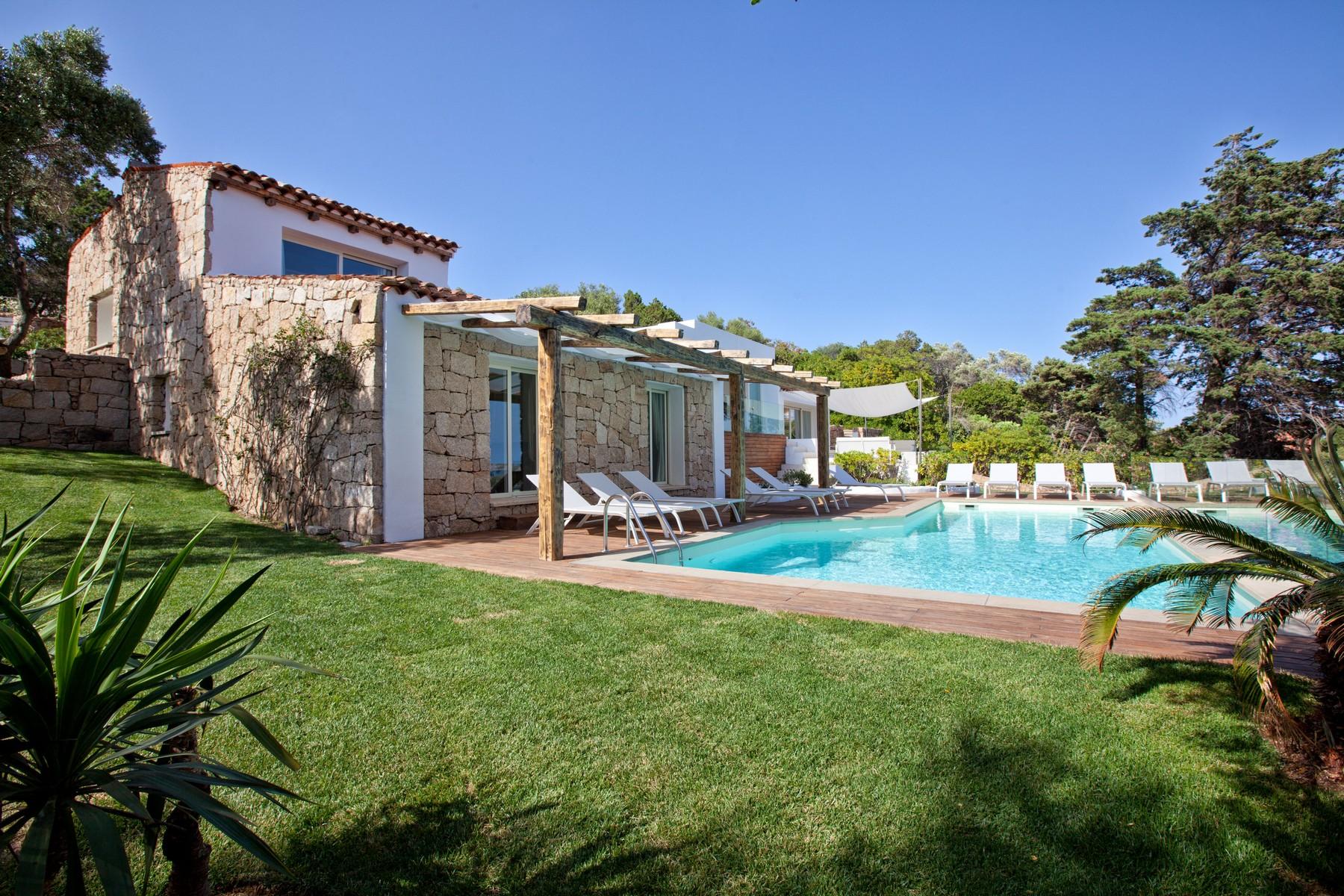 Villa in Vendita a Arzachena: 5 locali, 238 mq - Foto 1