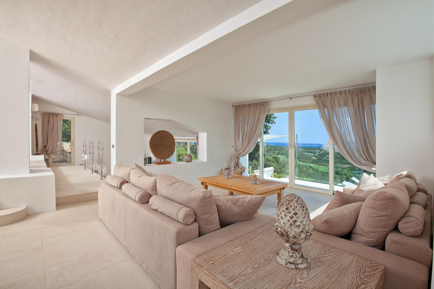 Villa in Vendita a Arzachena: 5 locali, 238 mq - Foto 2