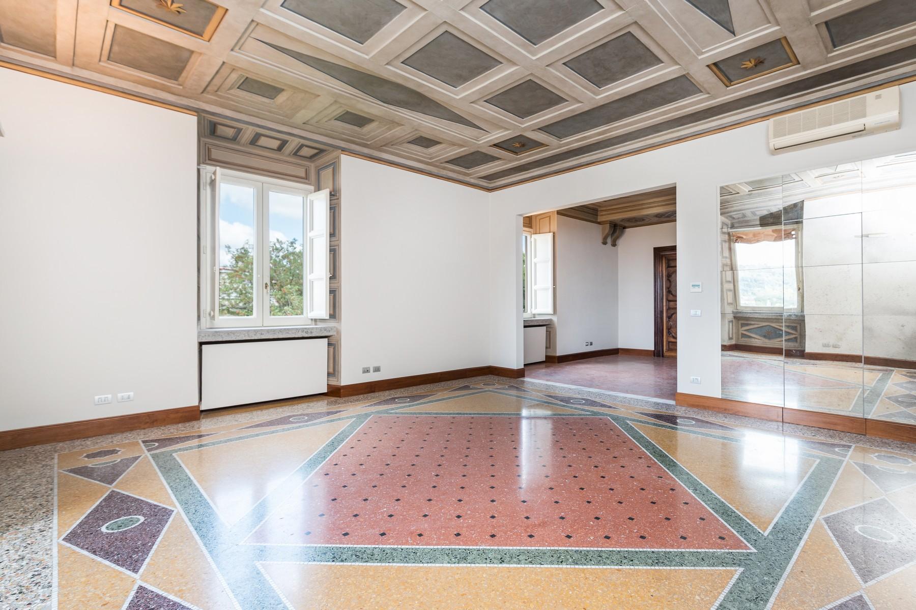 Appartamento in Vendita a Roma: 5 locali, 250 mq - Foto 2
