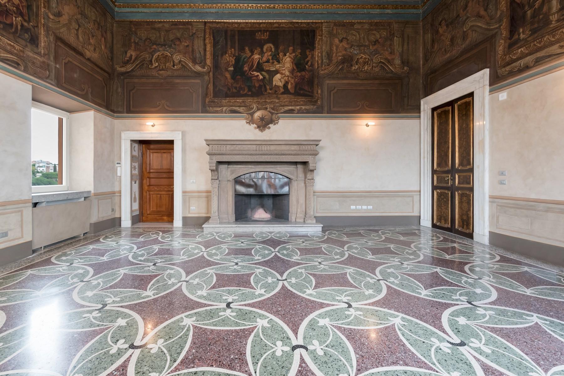 Appartamento in Vendita a Roma: 5 locali, 527 mq - Foto 3