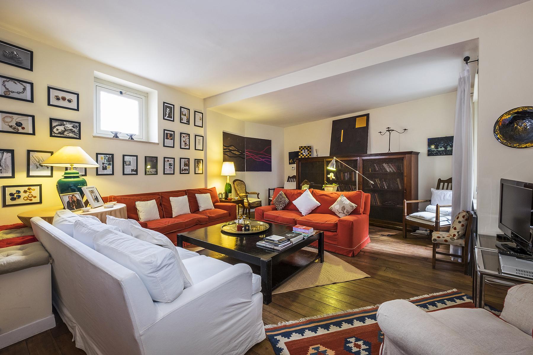 Appartamento in Vendita a Roma via cavalier d'arpino