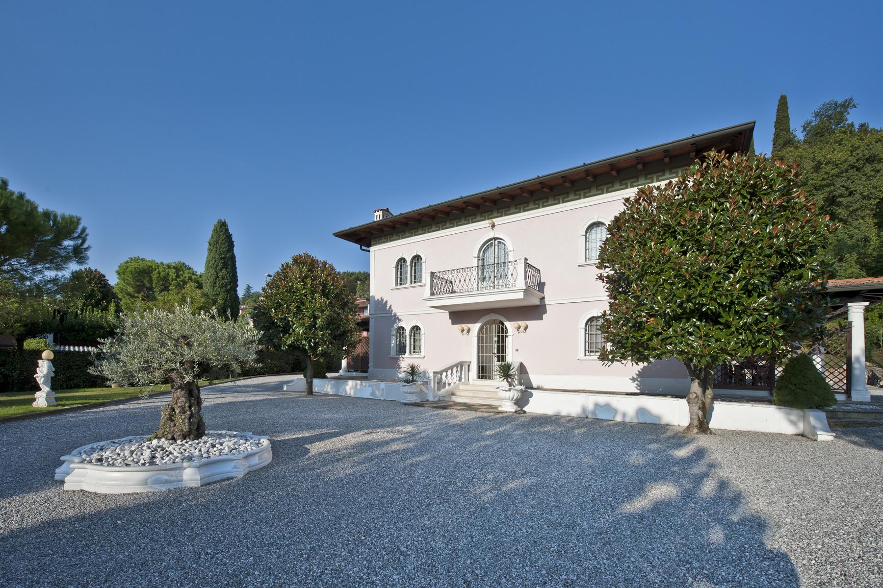 Villa in Vendita a Padenghe Sul Garda: 5 locali, 400 mq