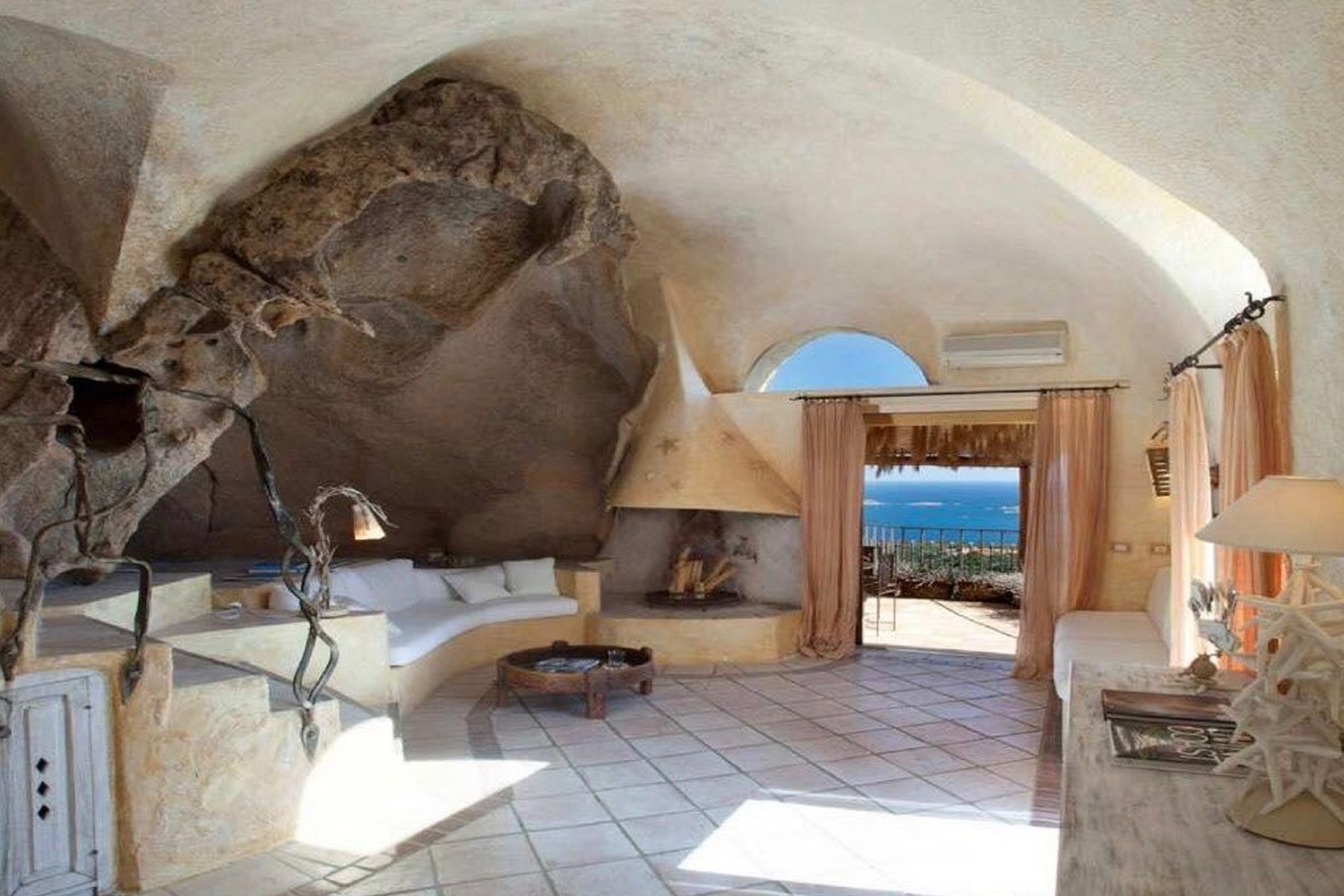 Villa in Vendita a Arzachena: 5 locali, 250 mq - Foto 2