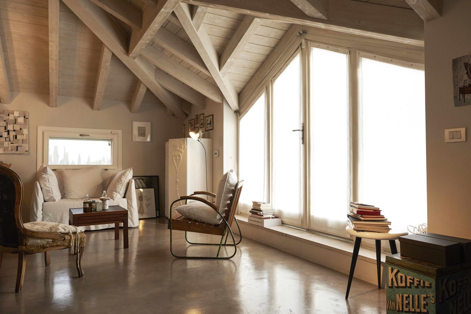 Immobili di lusso a desenzano del garda trovocasa pregio for Interni appartamenti di lusso