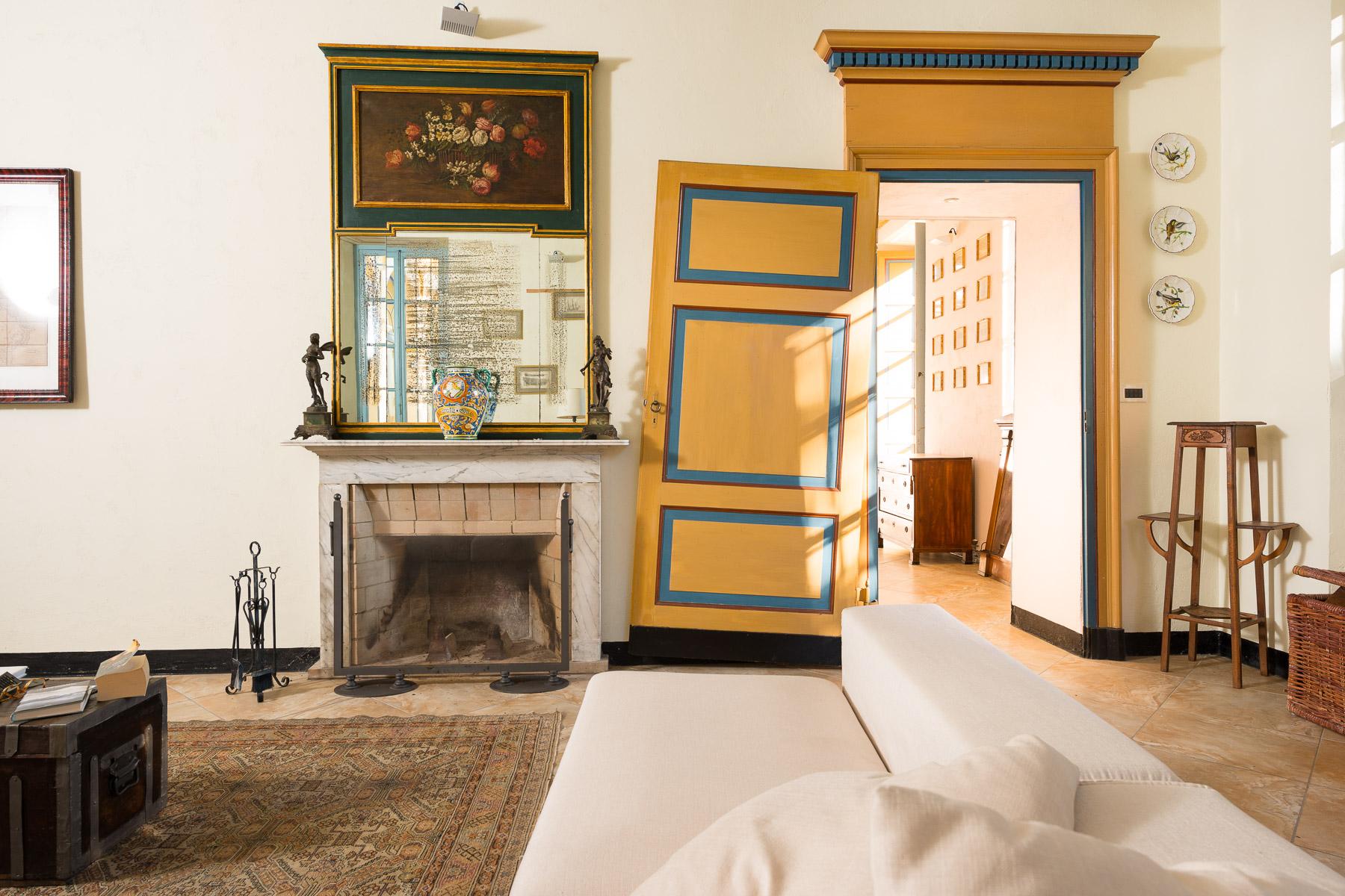 Villa in Vendita a Favria: 5 locali, 642 mq - Foto 2