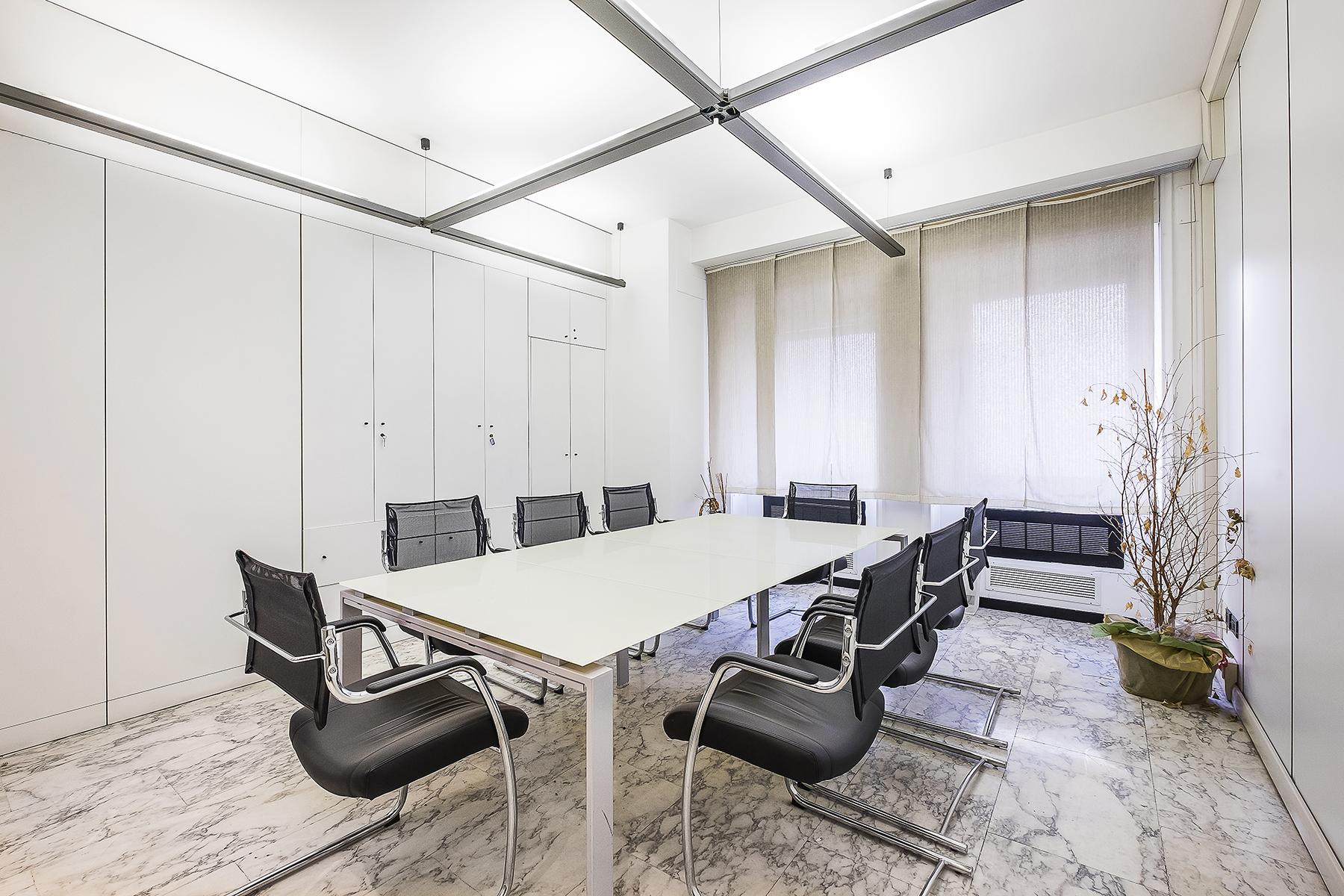 Ufficio studio di lusso in affitto a roma via parigi for Affitto locali commerciali roma sud