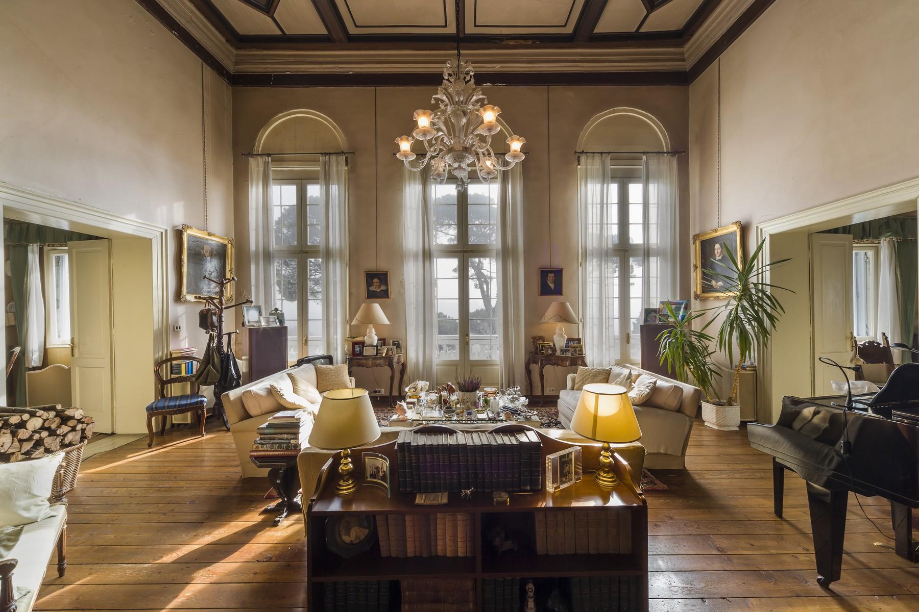Villa in Vendita a Conegliano: 5 locali, 1500 mq - Foto 2