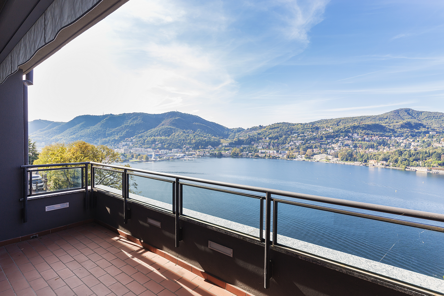 Appartamento in Vendita a Como: 5 locali, 148 mq