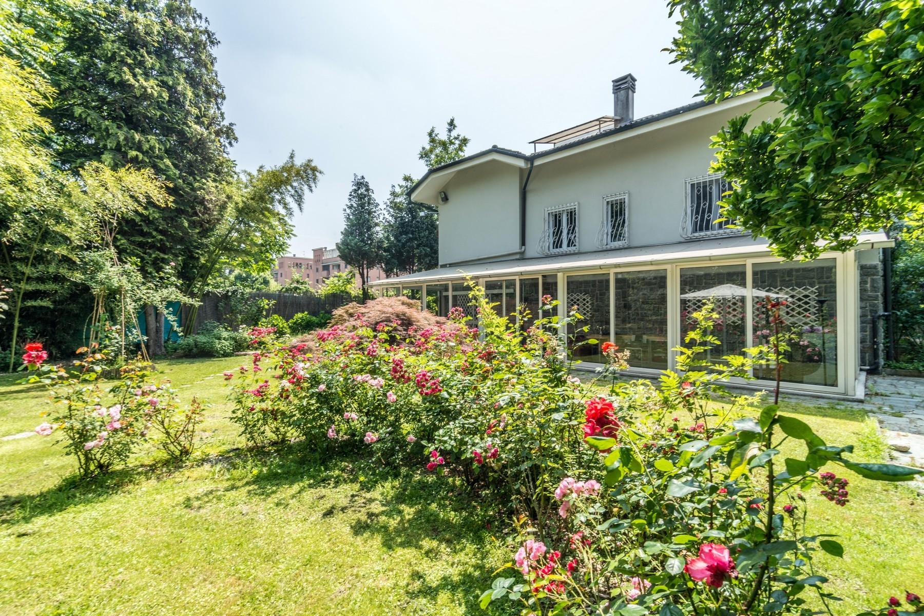 Villa in Vendita a Milano 27 Baggio / Novara / Forze Armate: 5 locali, 390 mq