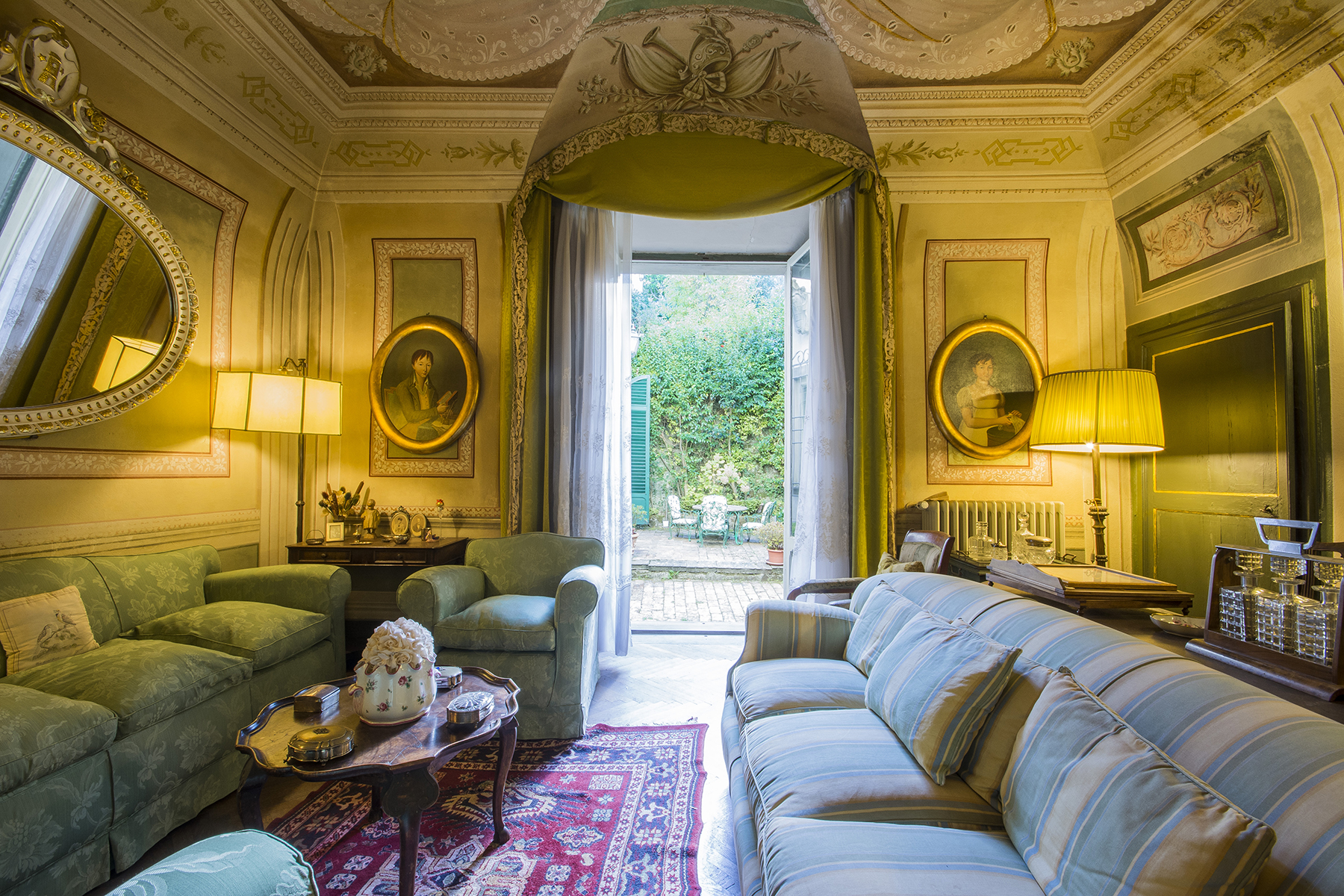 Palazzo in Vendita a Volterra: 5 locali, 1320 mq