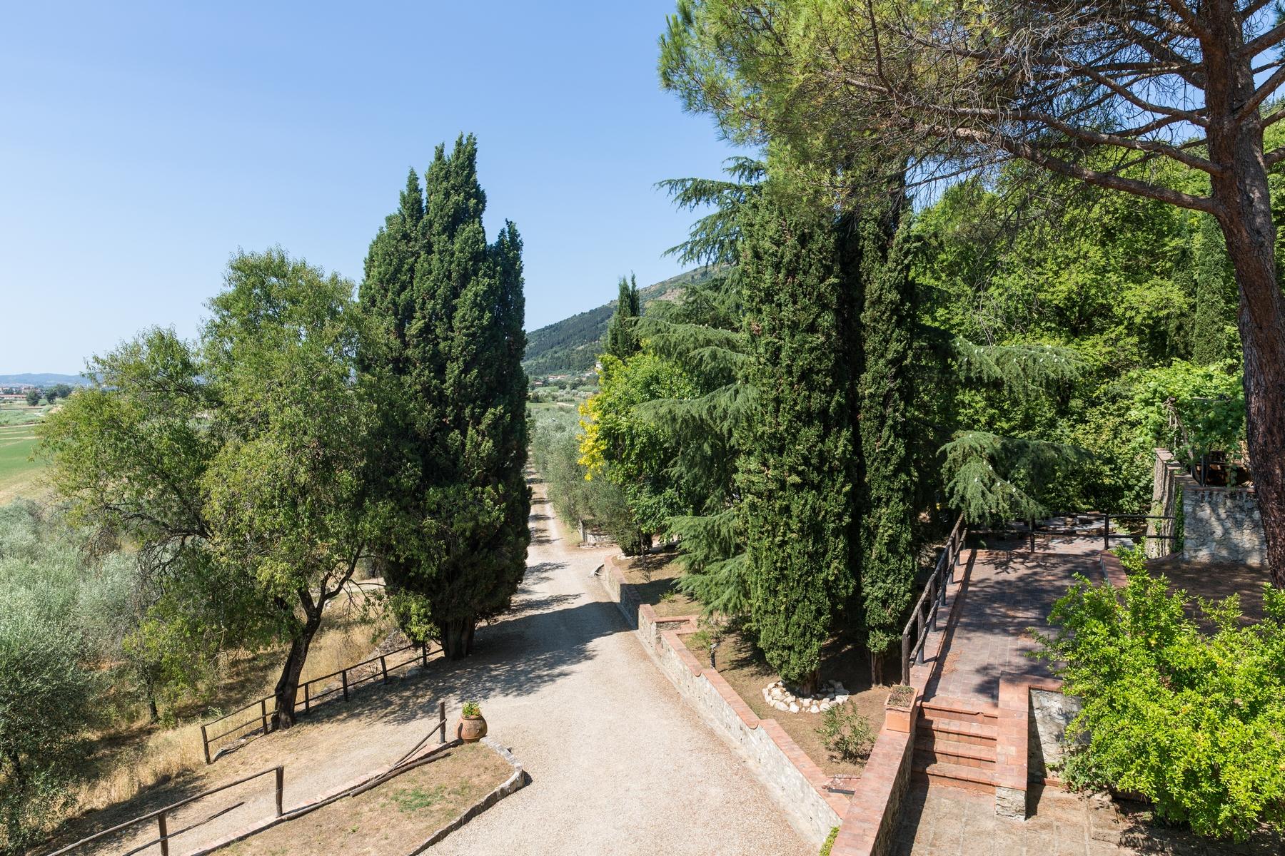 Rustico in Vendita a Calenzano: 5 locali, 800 mq - Foto 2