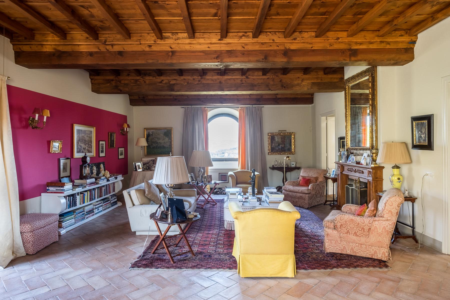 Appartamento in Affitto a Bagno A Ripoli: 5 locali, 300 mq