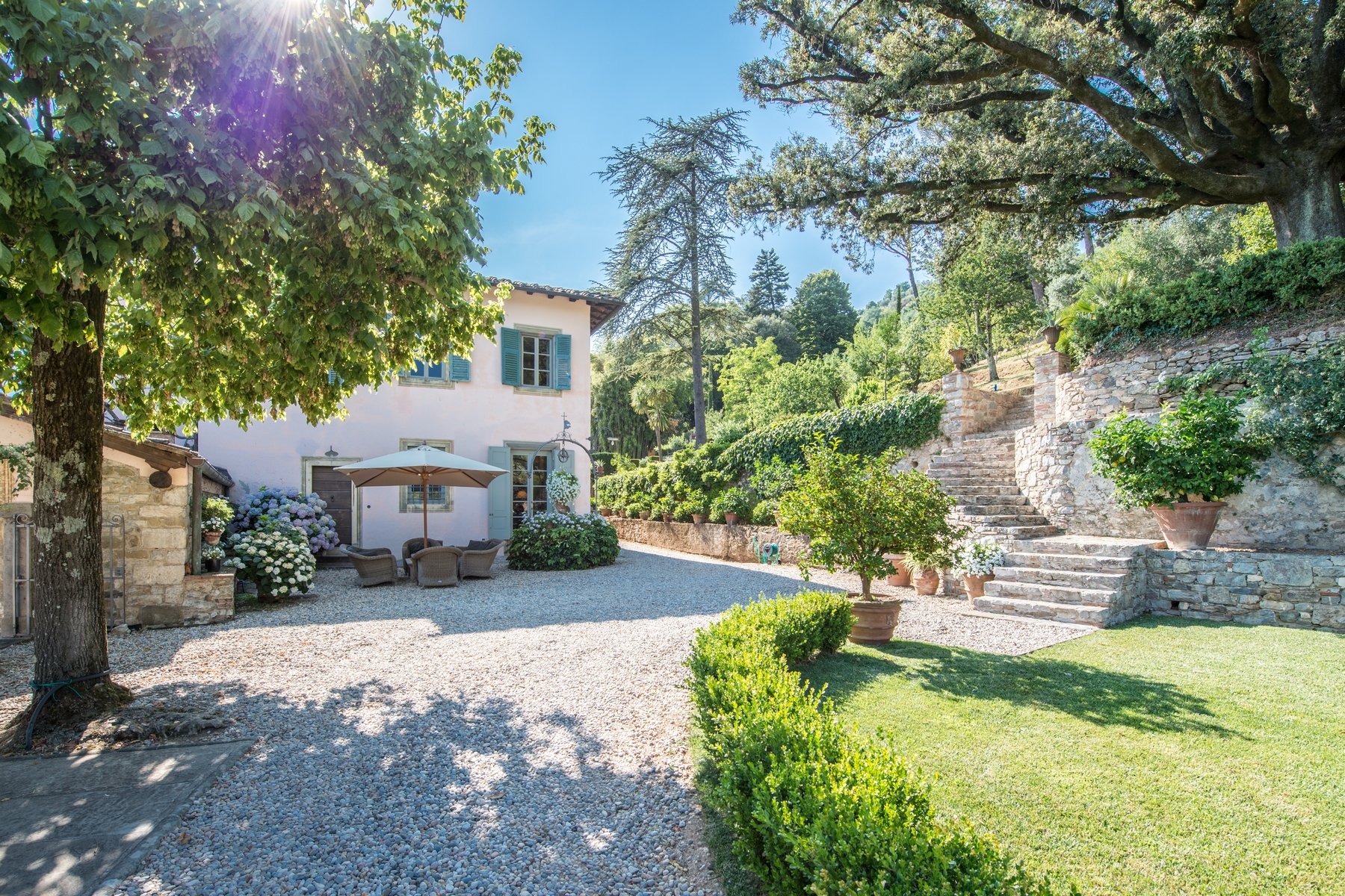 Villa in Vendita a Lucca: 5 locali, 2500 mq - Foto 3